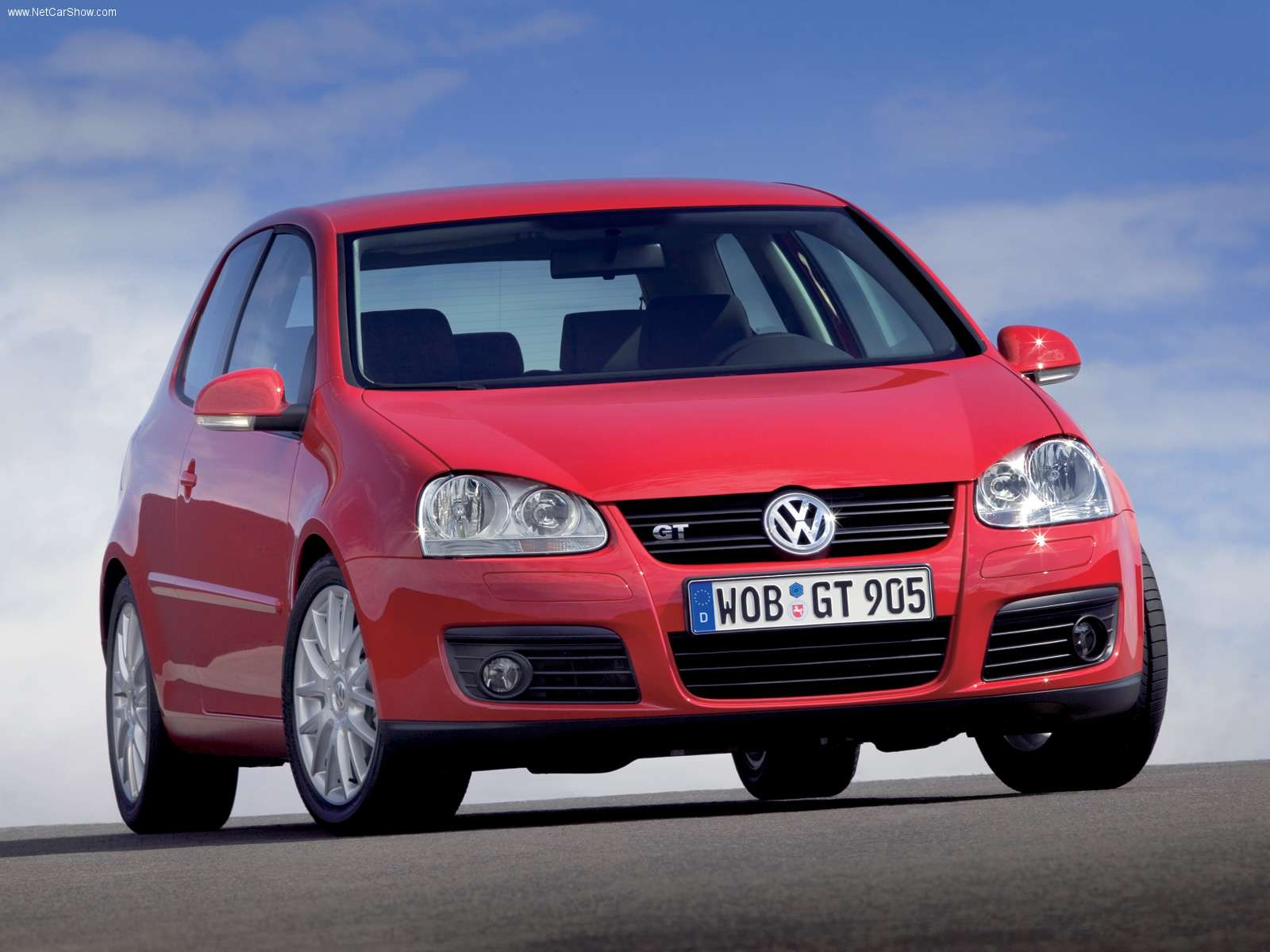 volkswagen golf gt photos photogallery with 13 pics. Black Bedroom Furniture Sets. Home Design Ideas