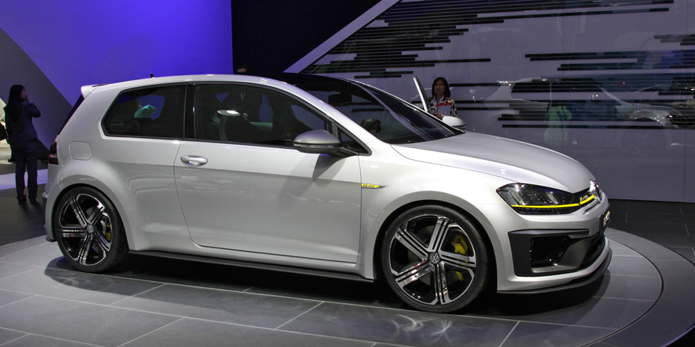 volkswagen golf r 400 photos photogallery with 3 pics. Black Bedroom Furniture Sets. Home Design Ideas