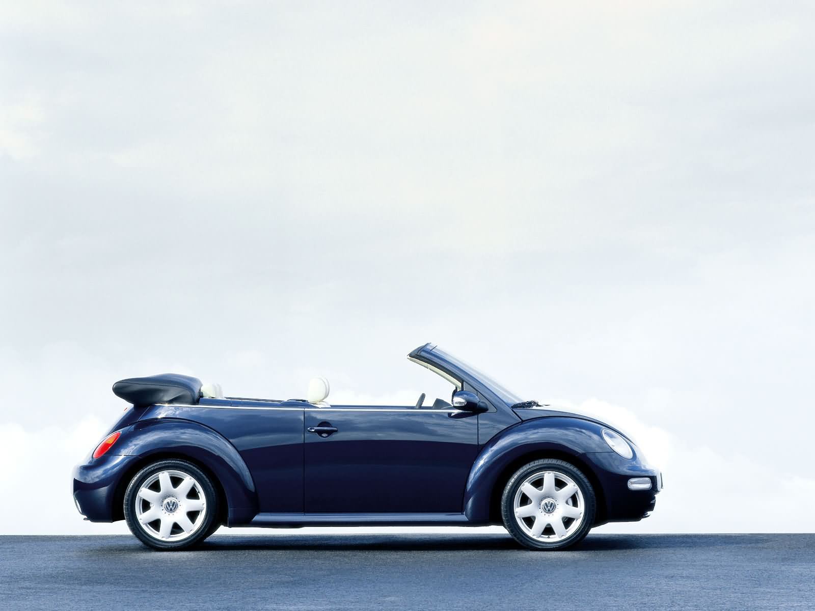 volkswagen new beetle cabriolet picture 17944 volkswagen photo gallery. Black Bedroom Furniture Sets. Home Design Ideas