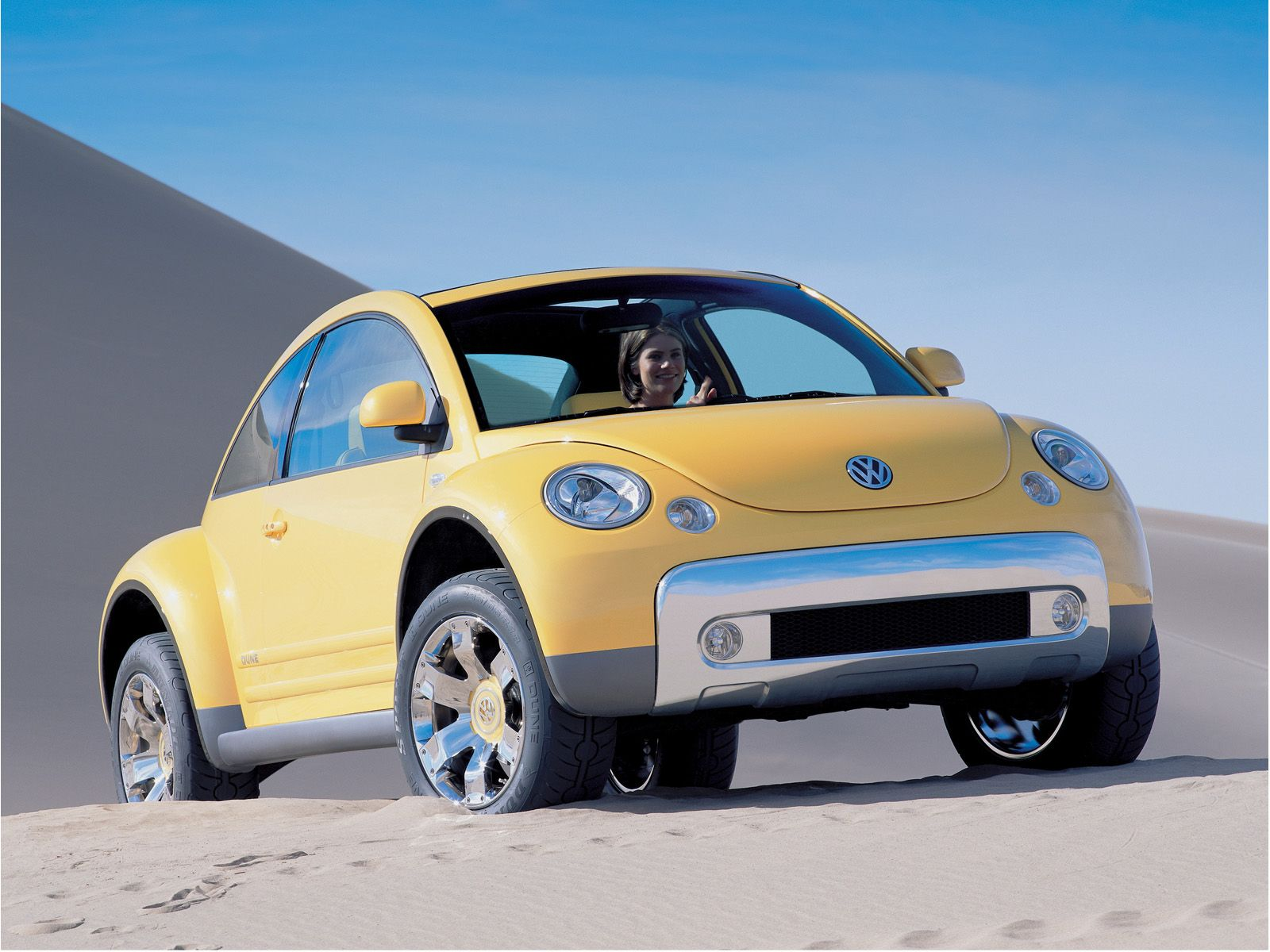 volkswagen new beetle dune photos photogallery with 17 pics. Black Bedroom Furniture Sets. Home Design Ideas