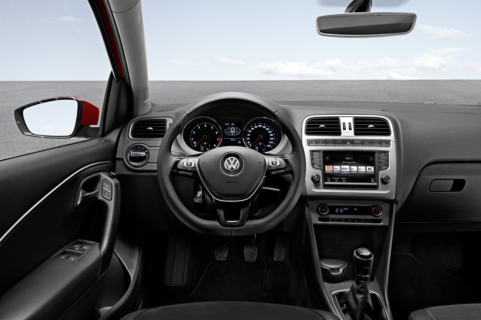 https://www.carsbase.com/photo/Volkswagen-Polo_mp53_pic_107216.jpg