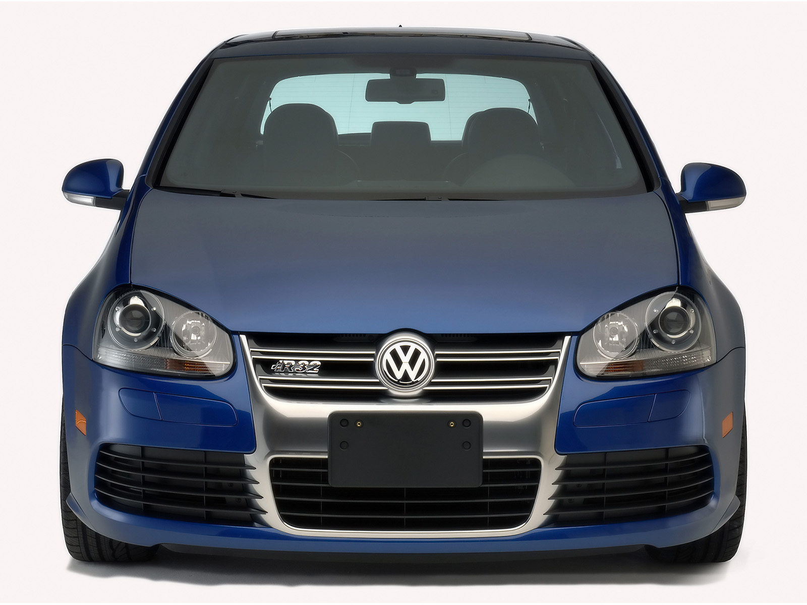 You can vote for this Volkswagen R32 photo