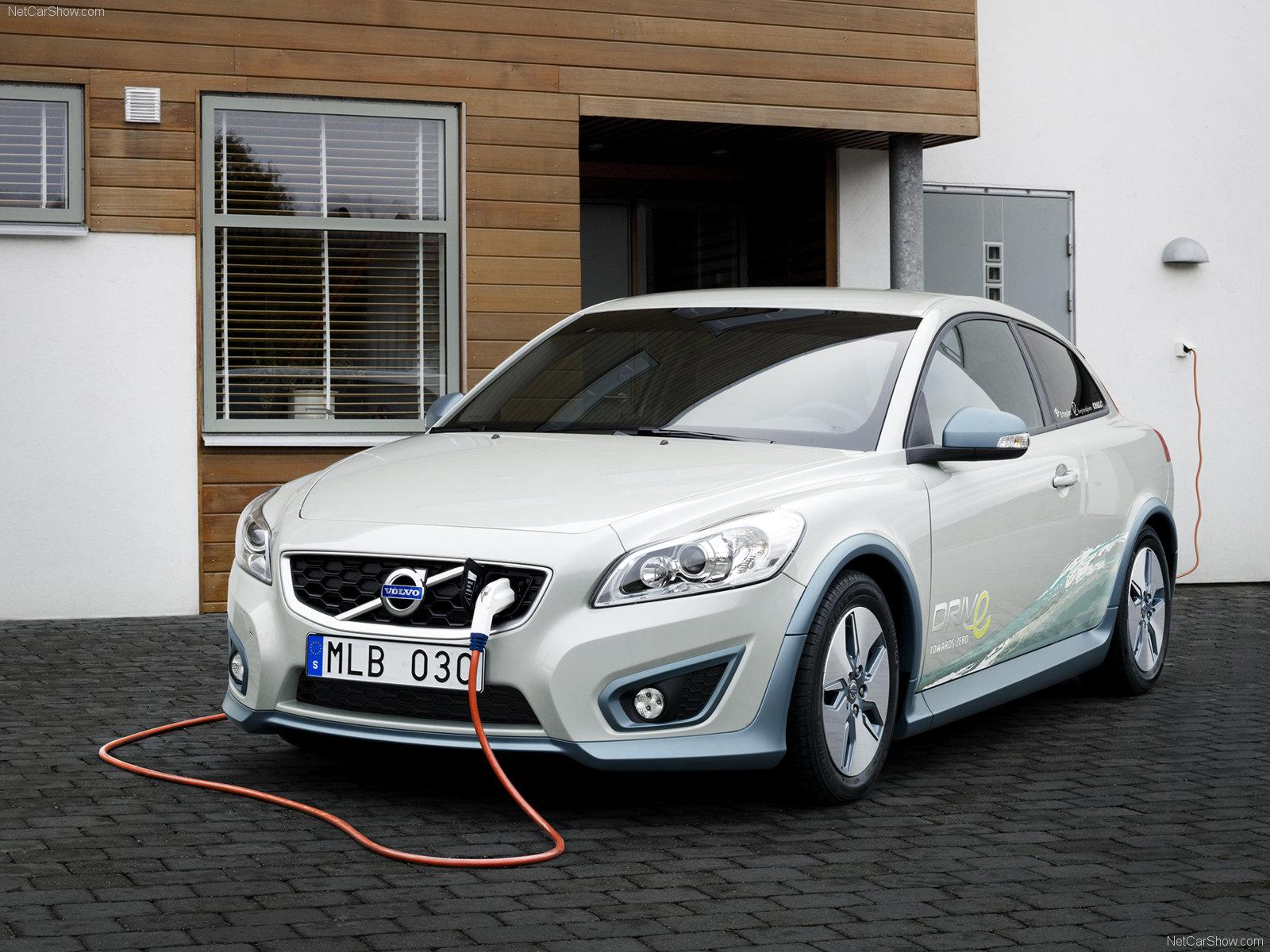 Модельный ряд Nissan (2016-2017): фото и цены на Ниссан