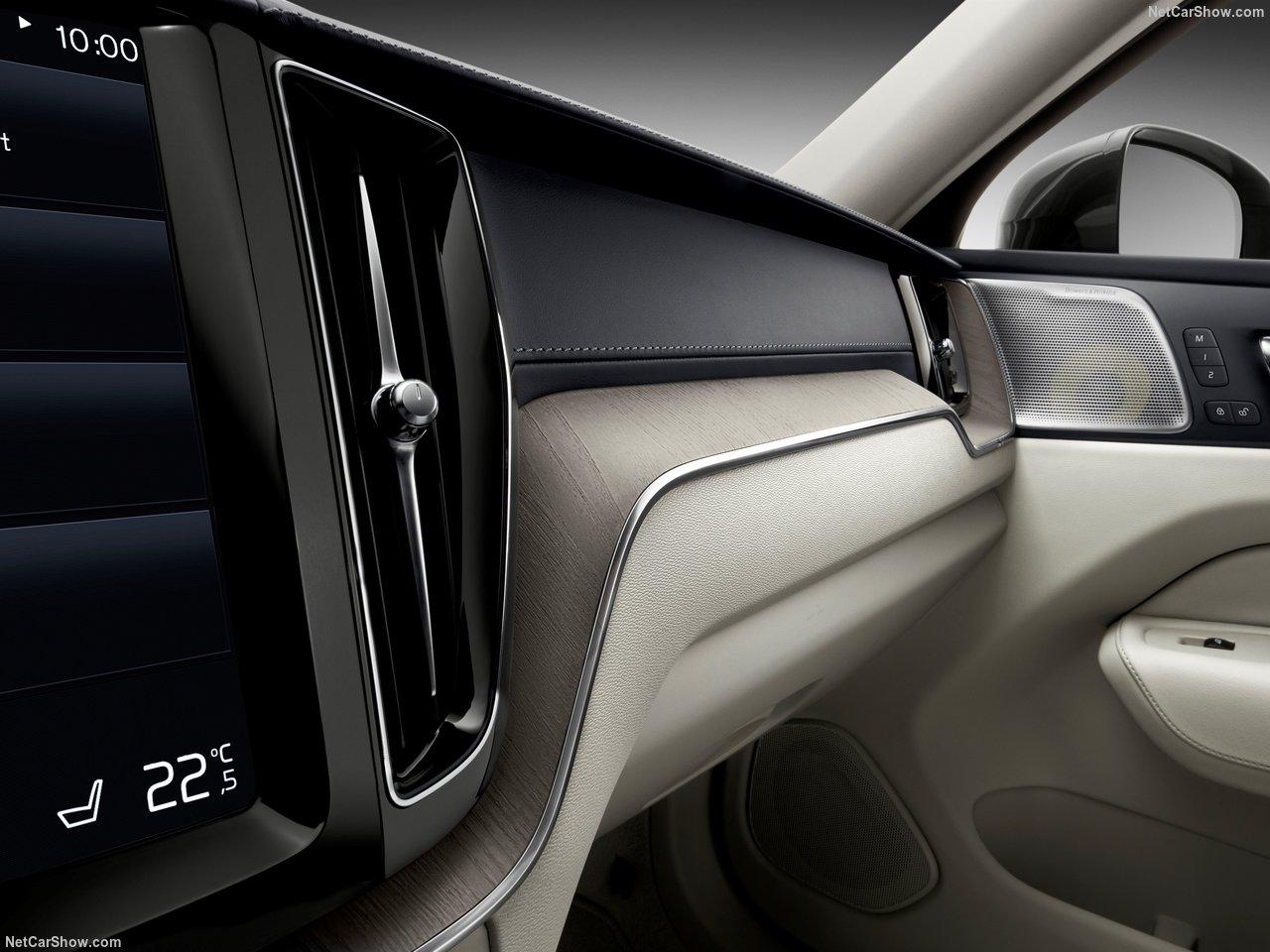 Volvo XC60 photo 175149