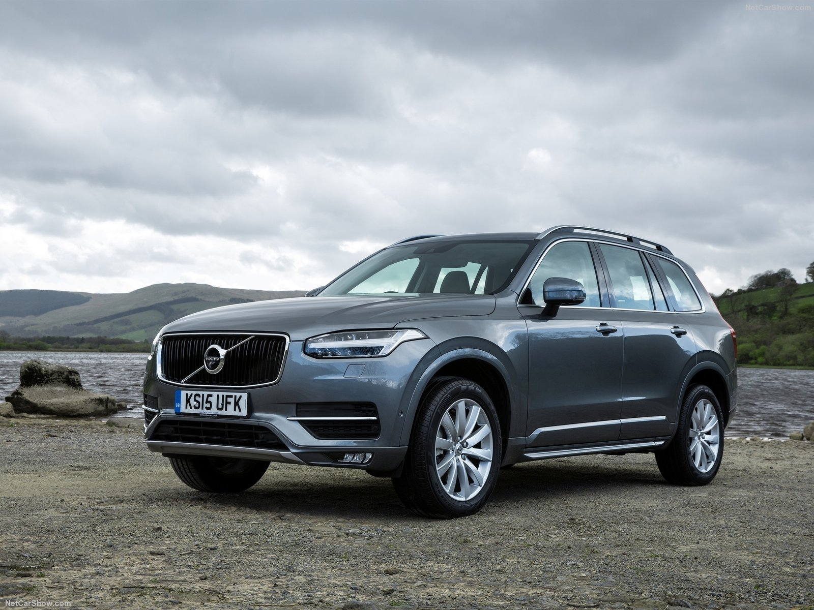 volvo xc90 uk version photos photogallery with 180 pics. Black Bedroom Furniture Sets. Home Design Ideas