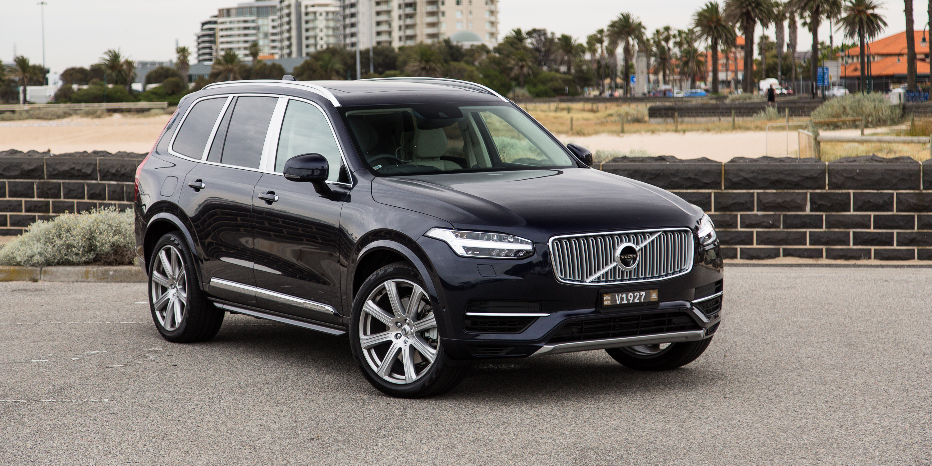 volvo xc90 photos photo gallery page 3. Black Bedroom Furniture Sets. Home Design Ideas