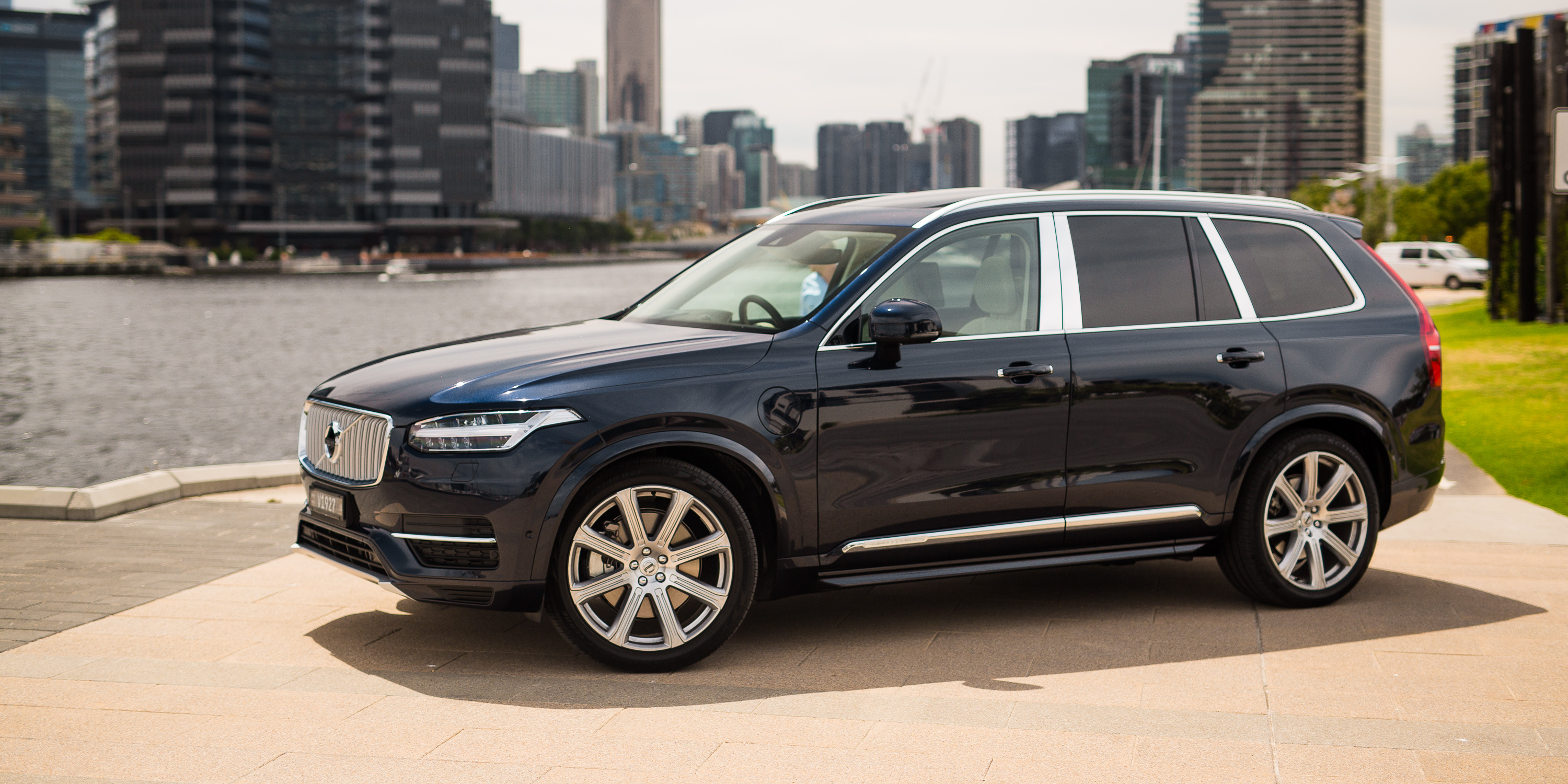 Volvo XC90 photos  Photo Gallery Page #2 CarsBasecom