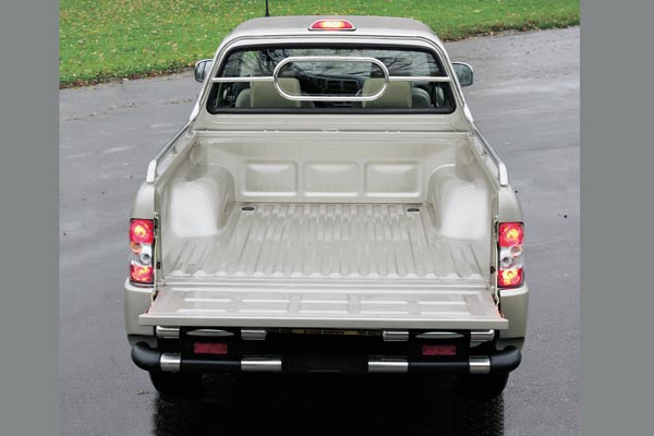 Admiral 4x4 Pick-Up photo 16502