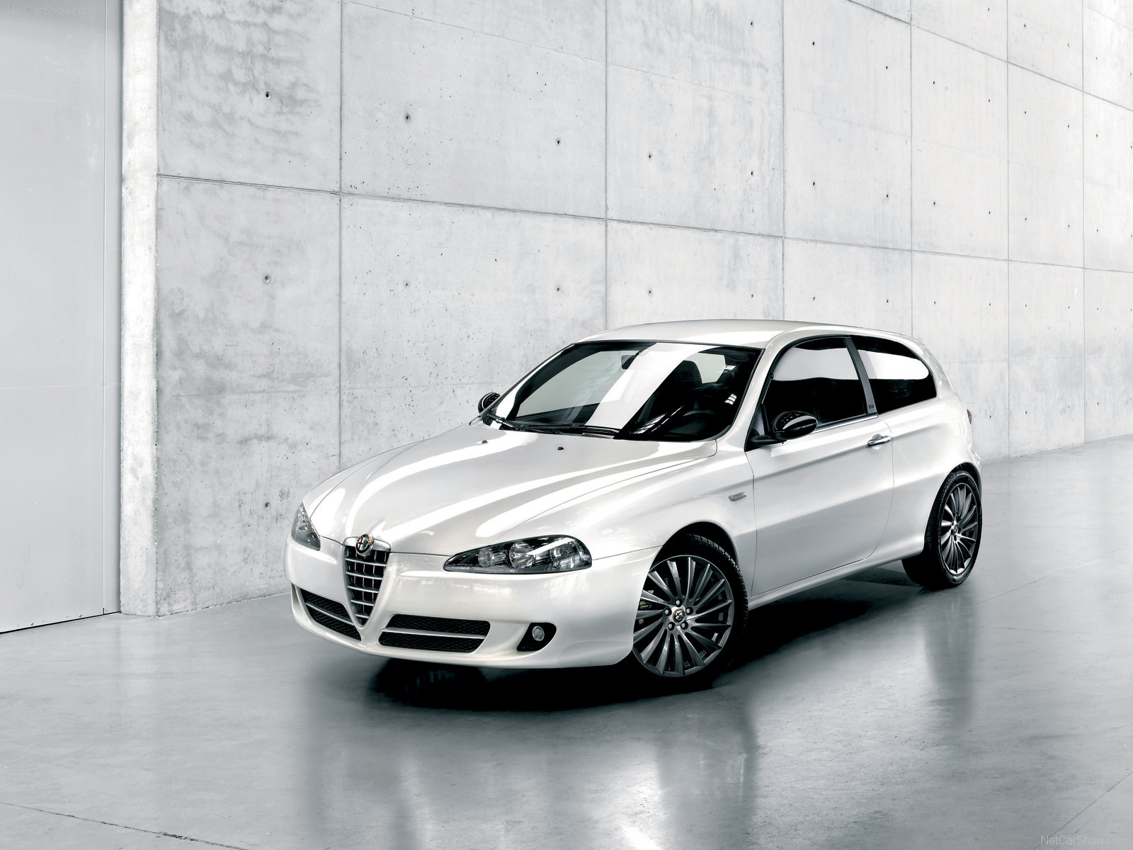 Alfa Romeo 147 CnC photo 46939