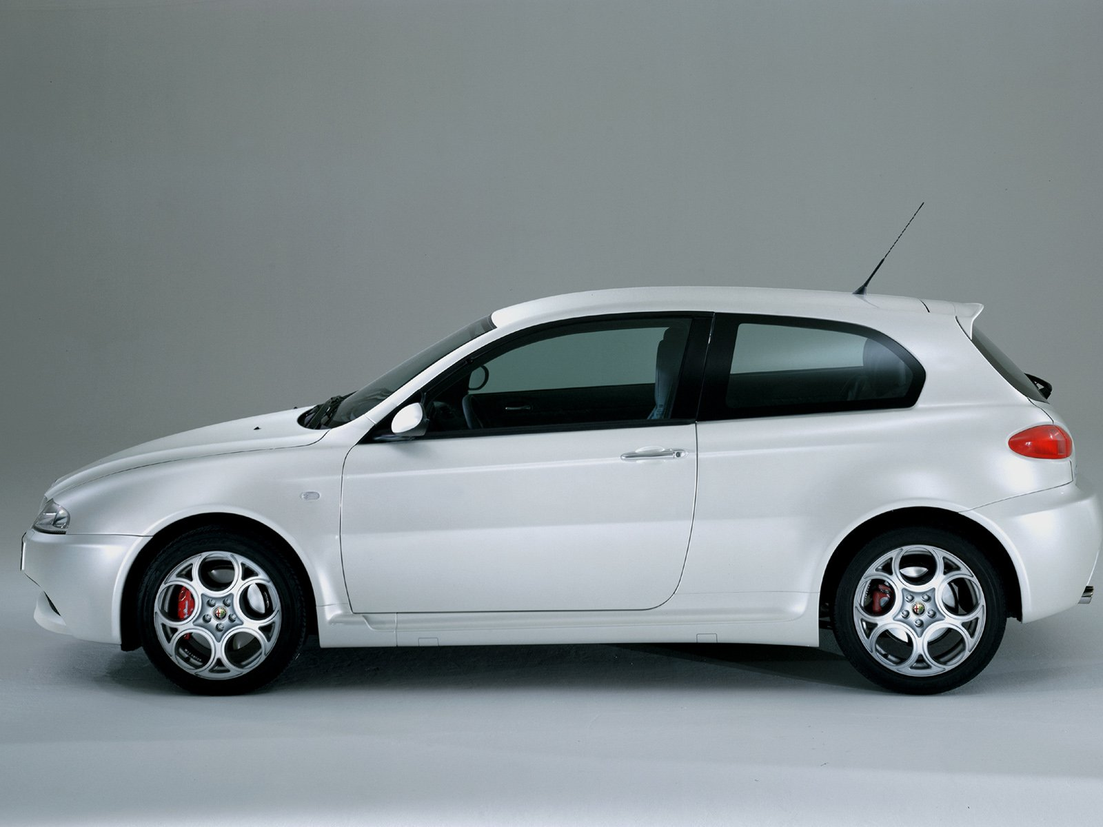 Alfa Romeo 147 Gta Picture 9146 Alfa Romeo Photo Gallery Carsbase Com