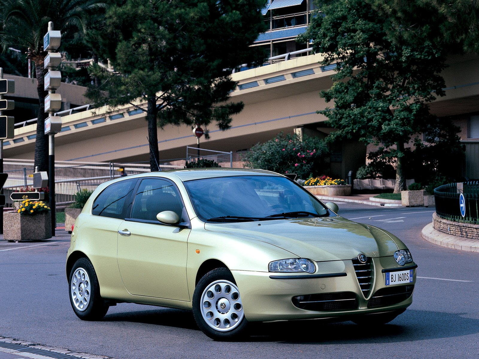 Alfa Romeo 147 photo 9095