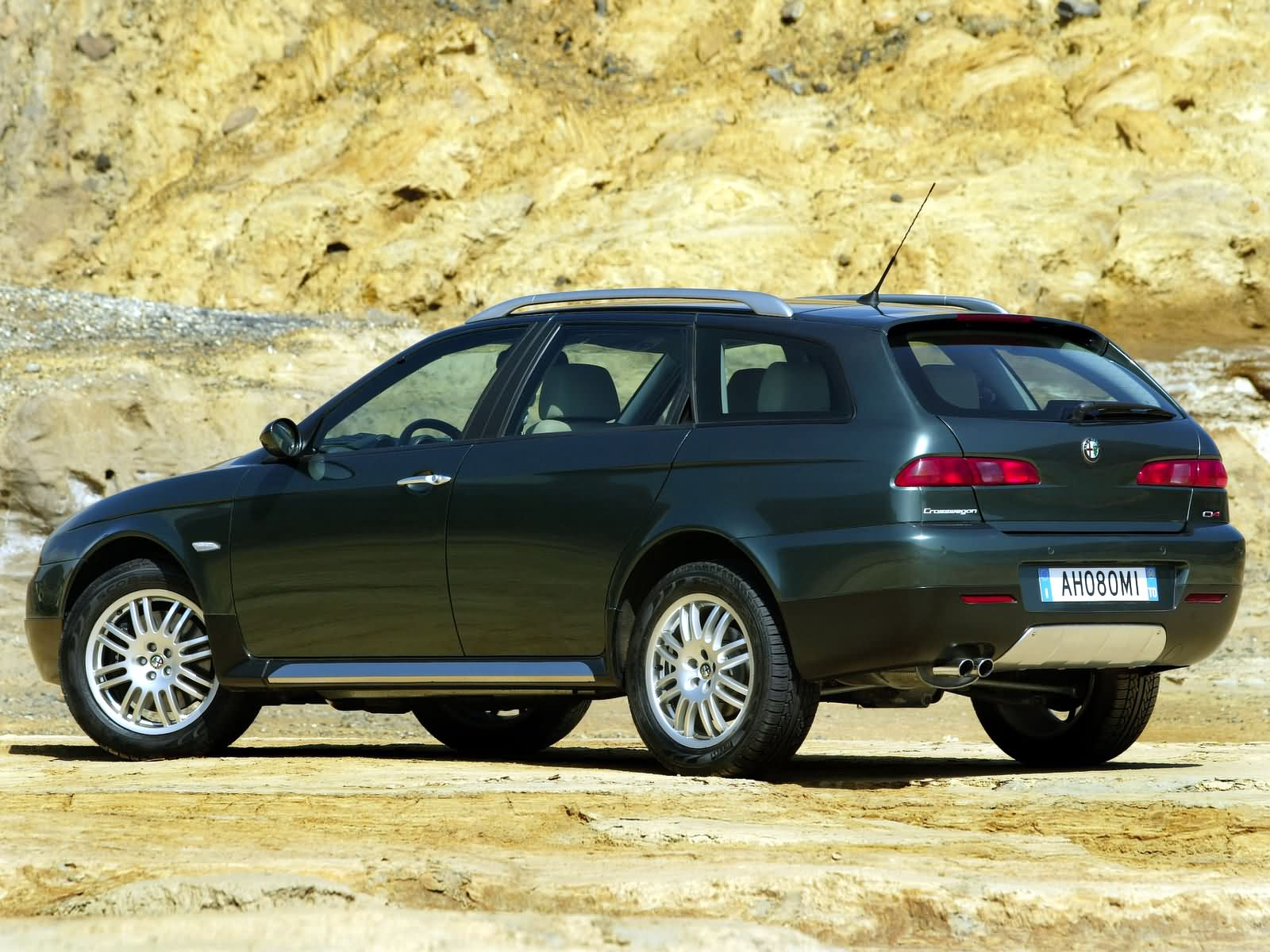 Alfa Romeo 156 Crosswagon photo 10478