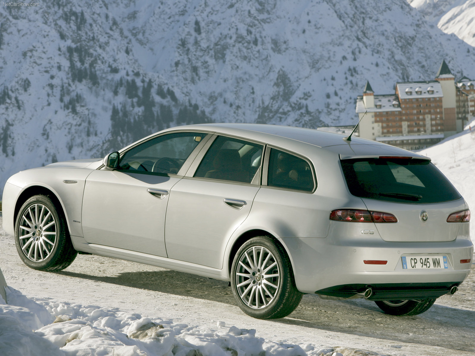Alfa Romeo 159 Sportwagon photo 32156