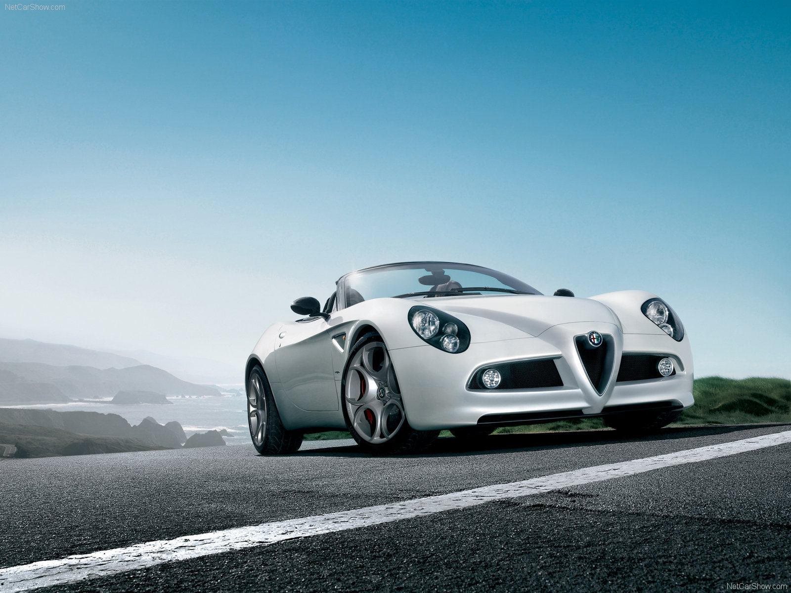 Alfa Romeo 8C Spider photo 54008