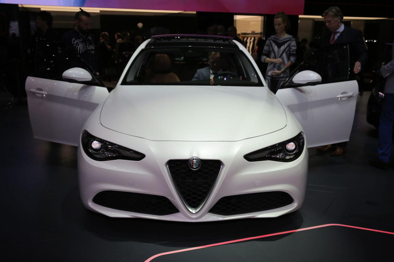 Alfa Romeo Giulia photo 162046