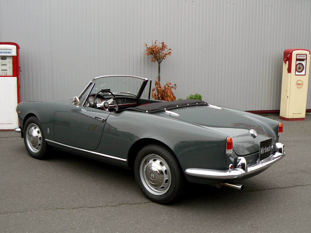 Alfa Romeo Giulietta Spider  photo 41250