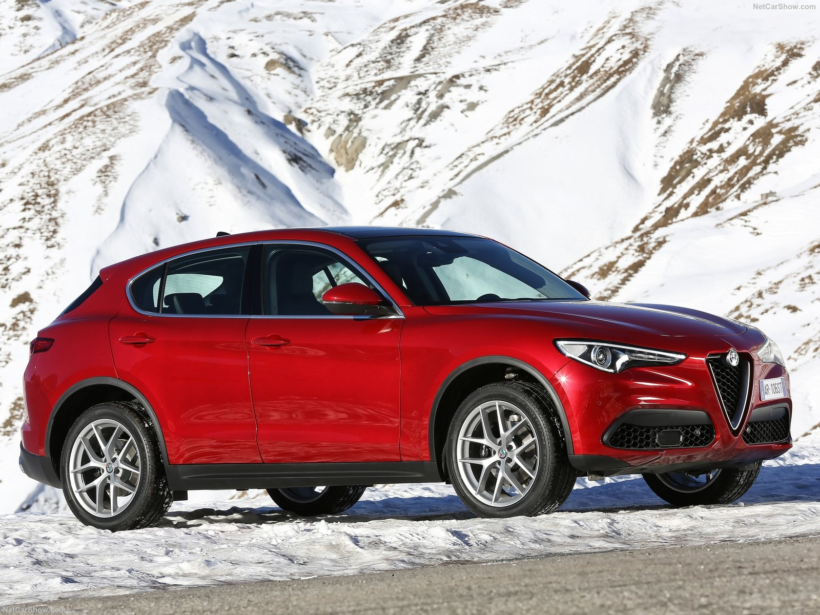 Alfa Romeo Stelvio photo 174723