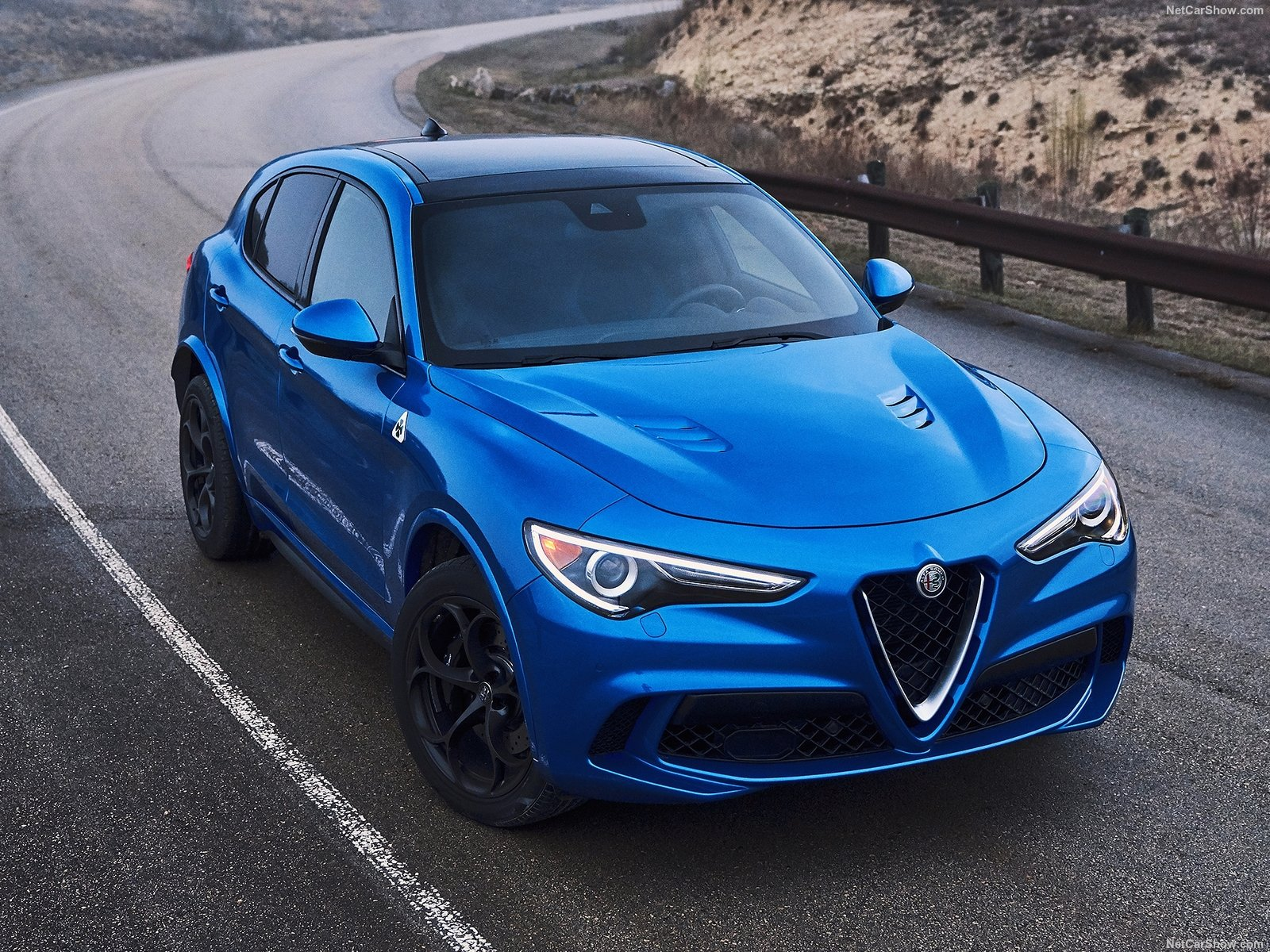 Alfa Romeo Stelvio photo 188092