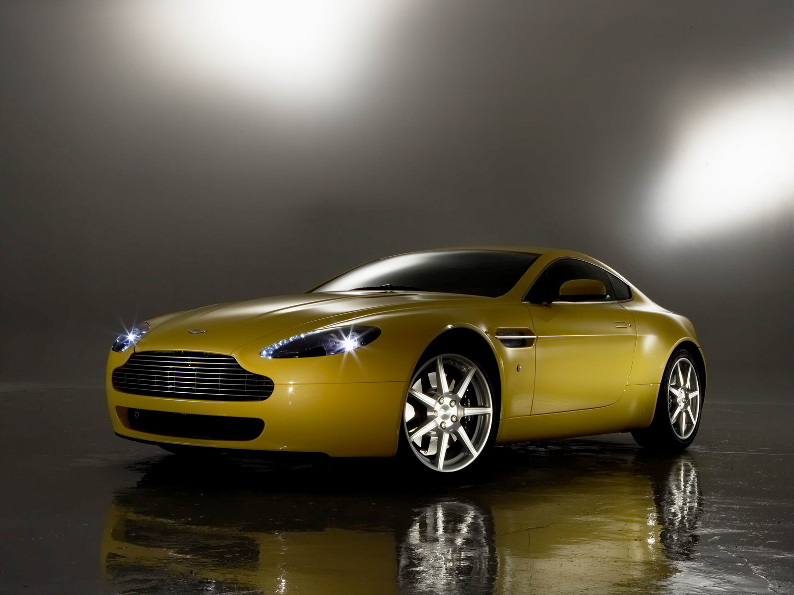 Aston Martin AMV8 Vantage photo 21734
