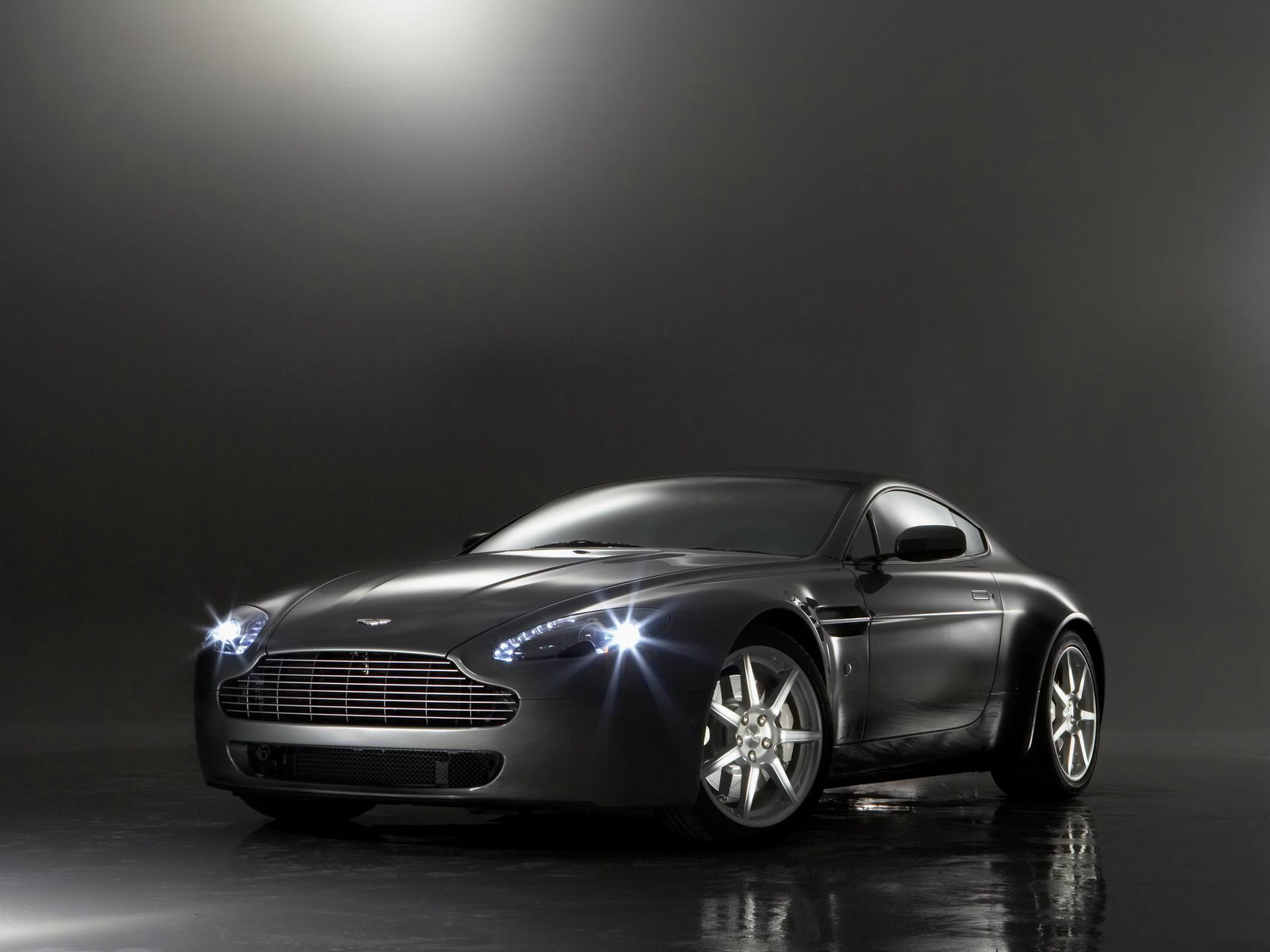Aston Martin AMV8 Vantage photo 21738