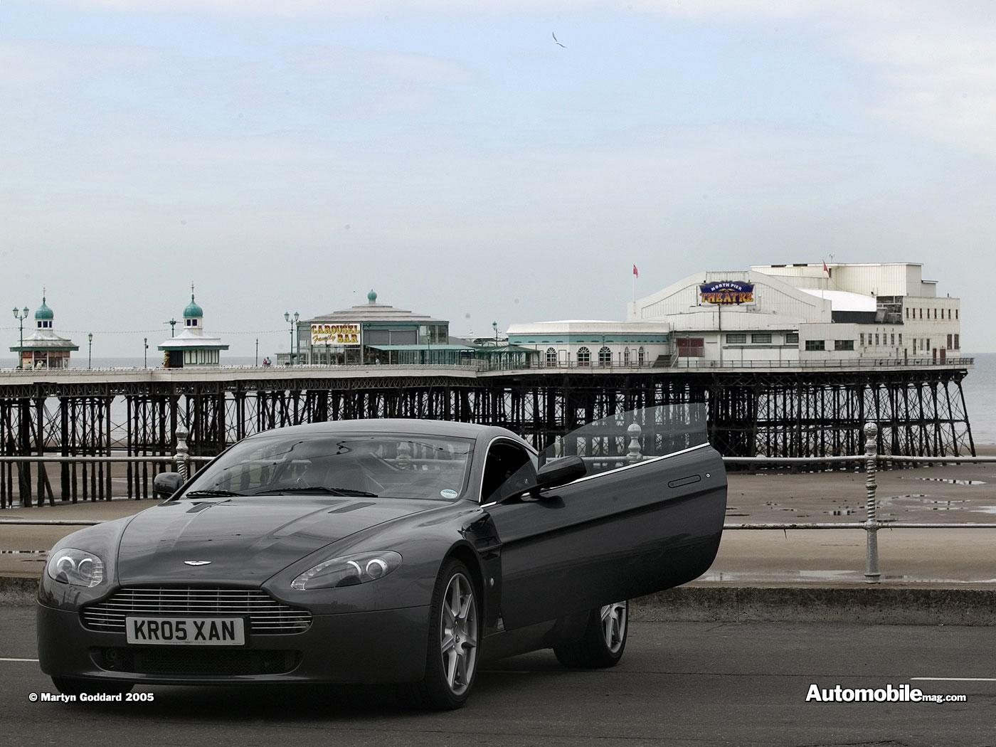 Aston Martin AMV8 Vantage photo 31606