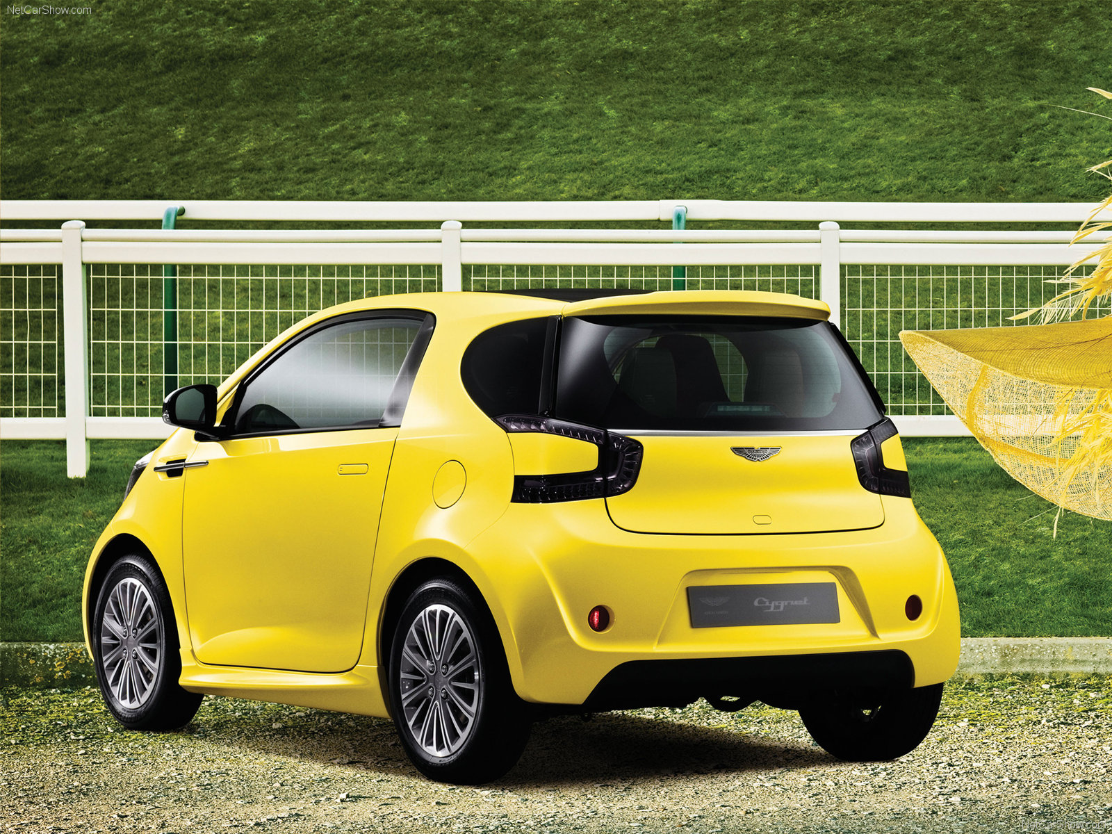Aston Martin Cygnet photo 72359