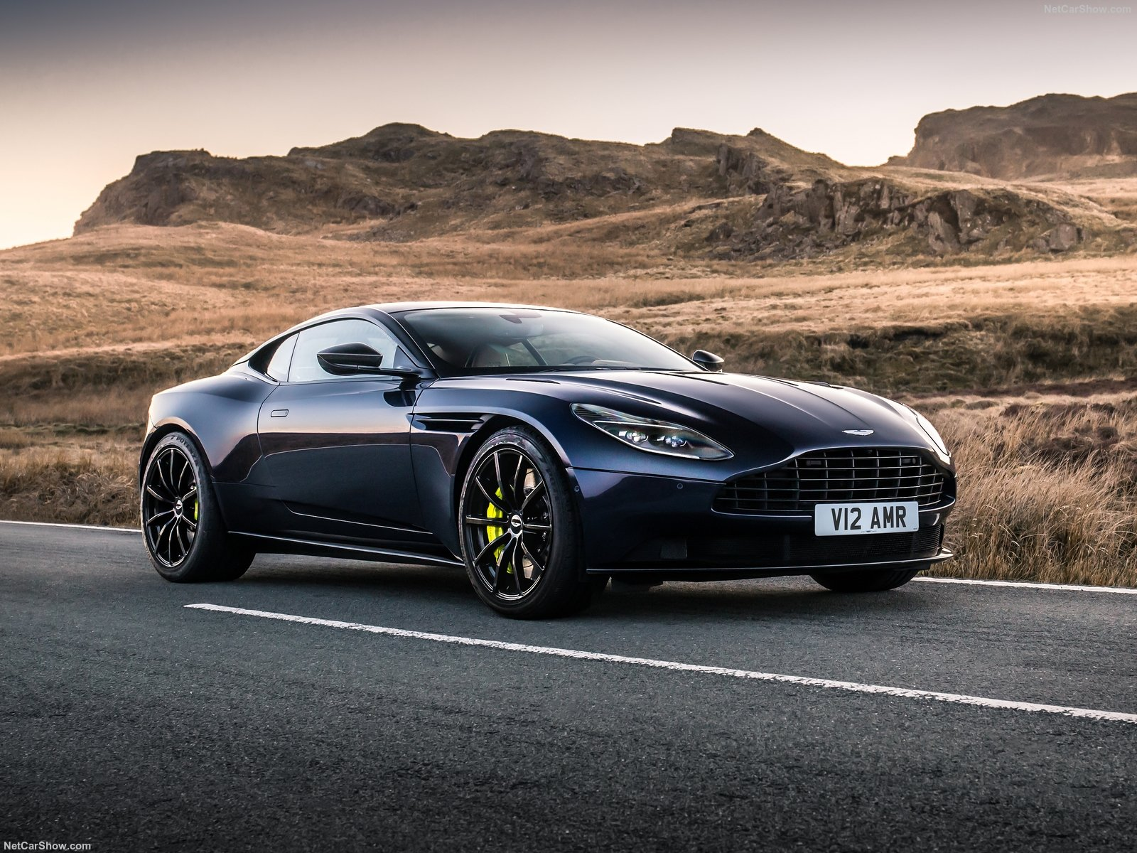 Aston Martin DB11 photo 188220
