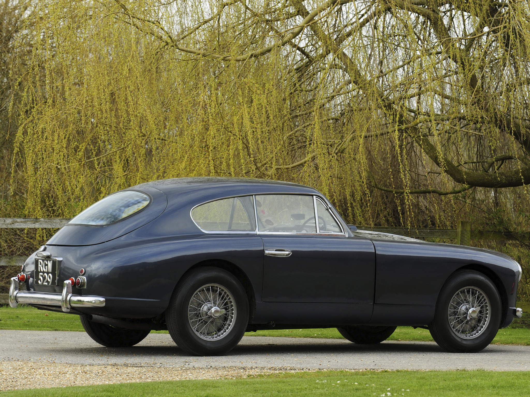 Aston Martin DB2 Vantage Saloon photo 105561