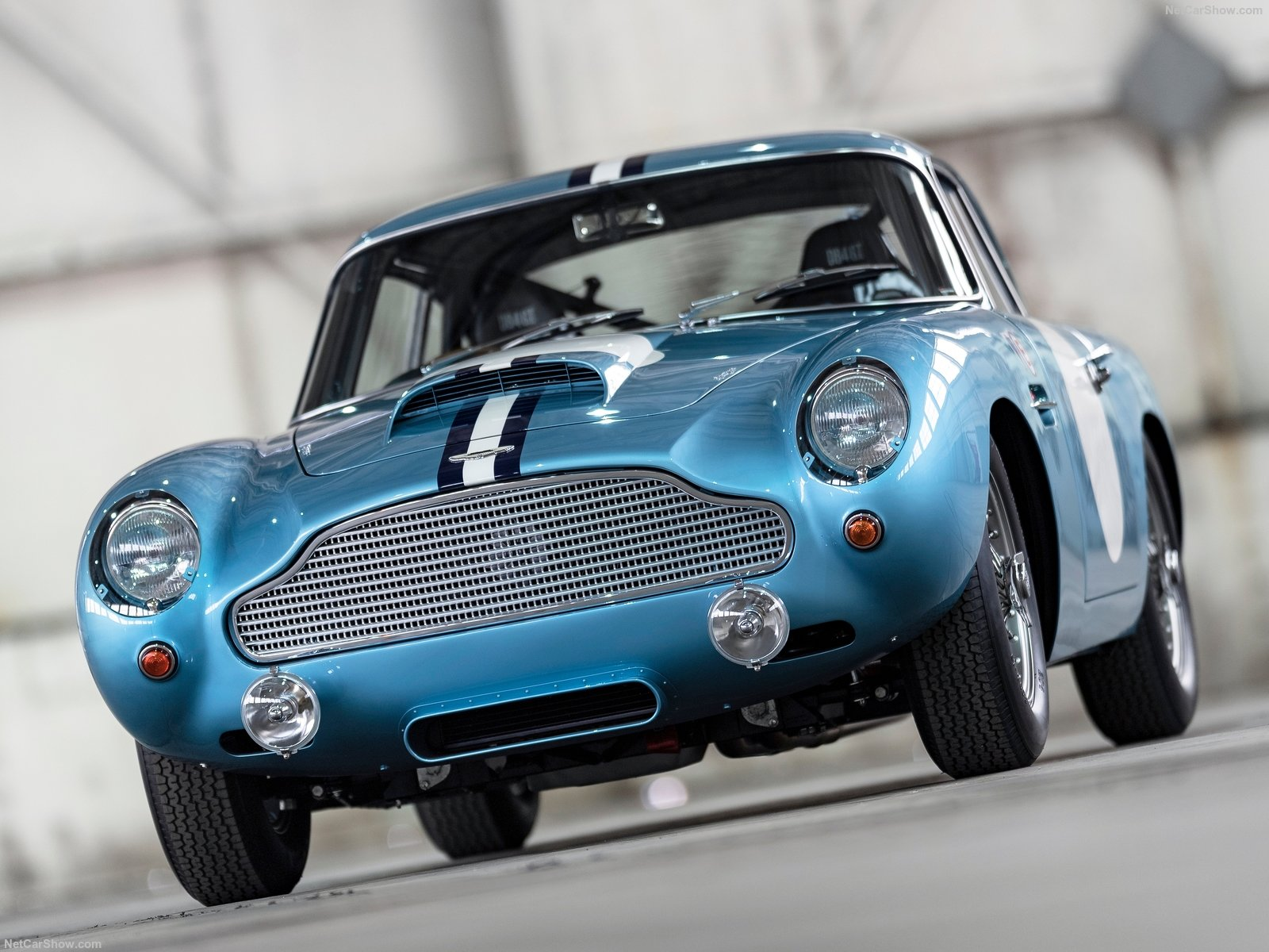 Aston Martin DB4 GT photo 192688