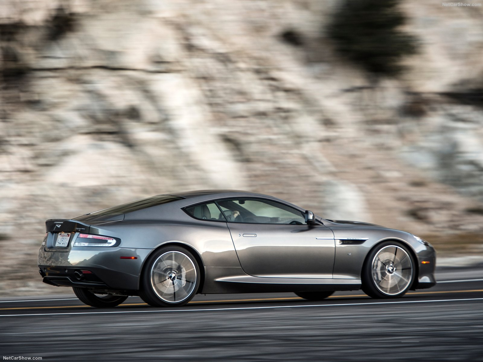 Aston Martin DB9 GT photo 155743