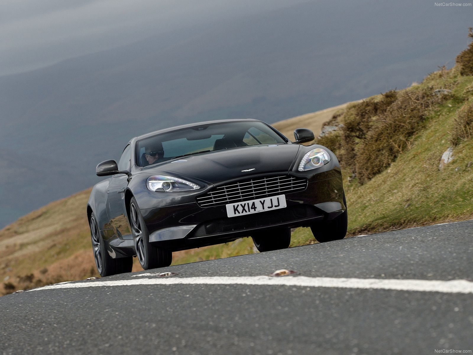 Aston Martin DB9 photo 120607