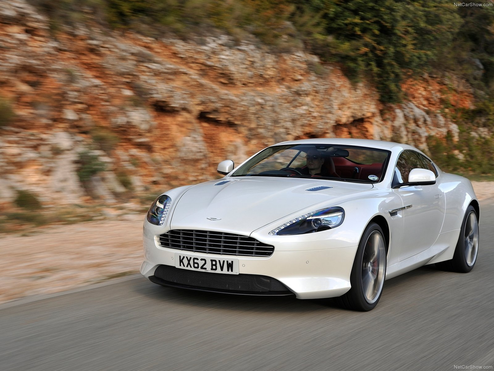 Aston Martin DB9 photo 122616