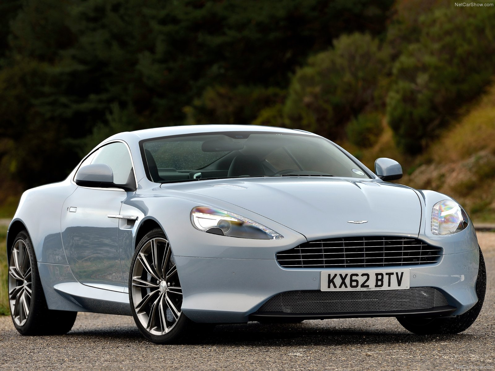 Aston Martin DB9 photo 122627