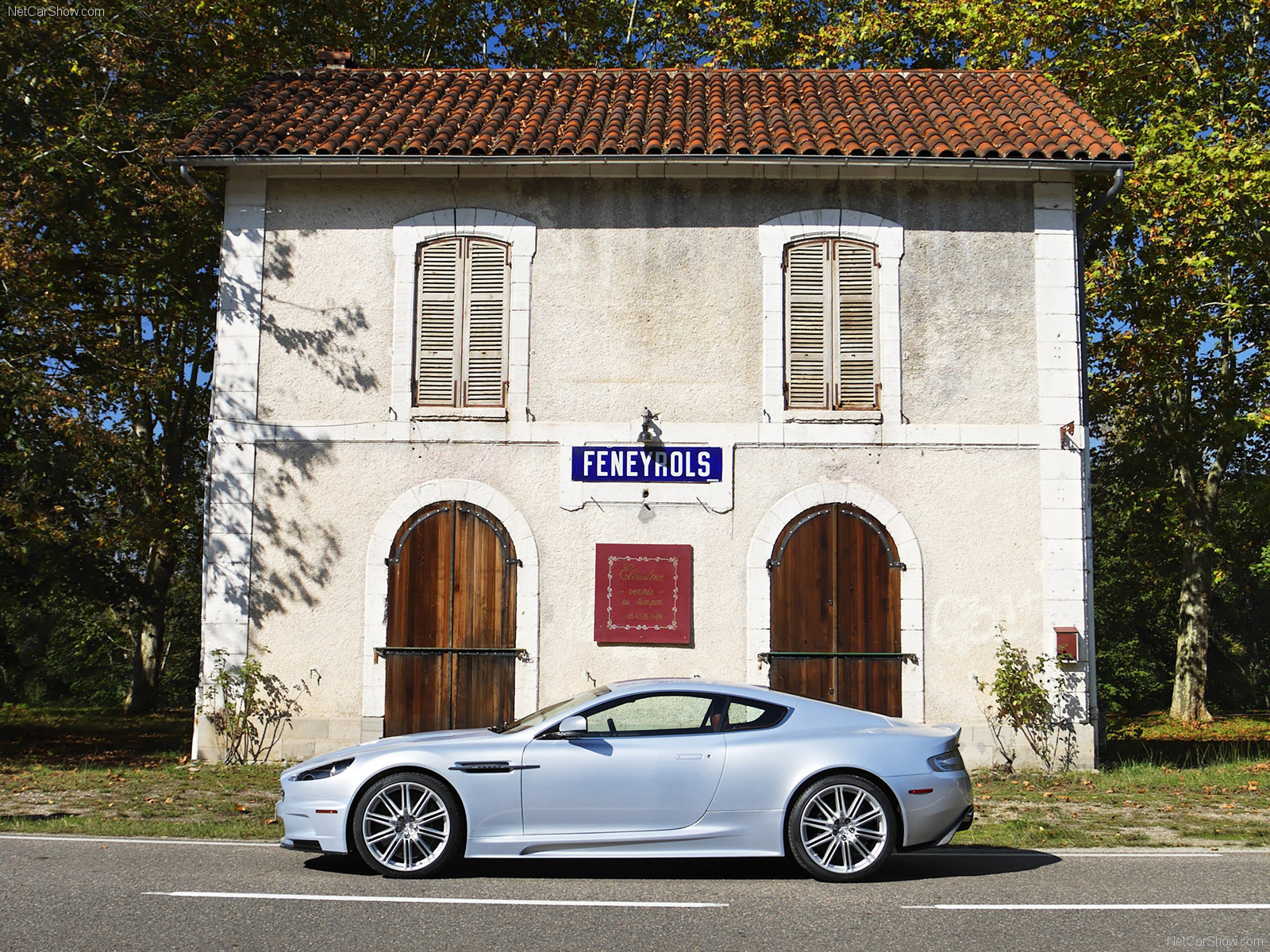 Aston Martin DBS Lightning Silver photo 49845