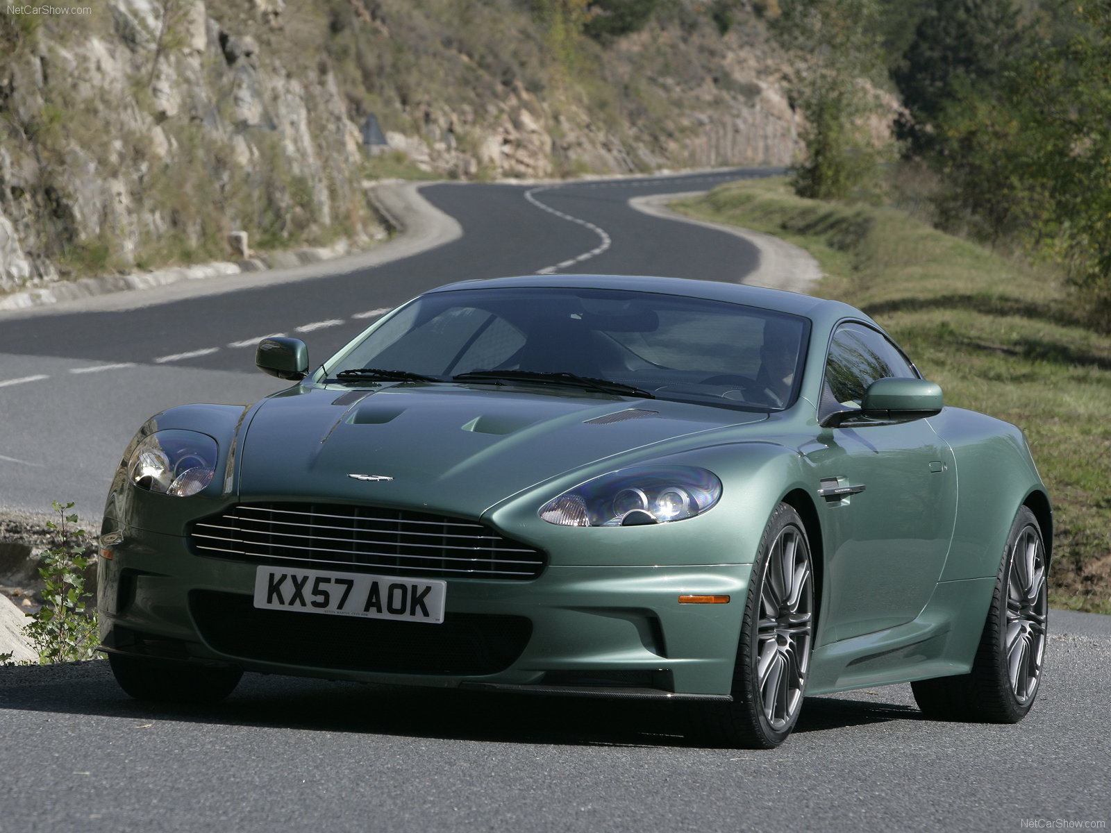 Aston Martin DBS Racing Green photo 49827