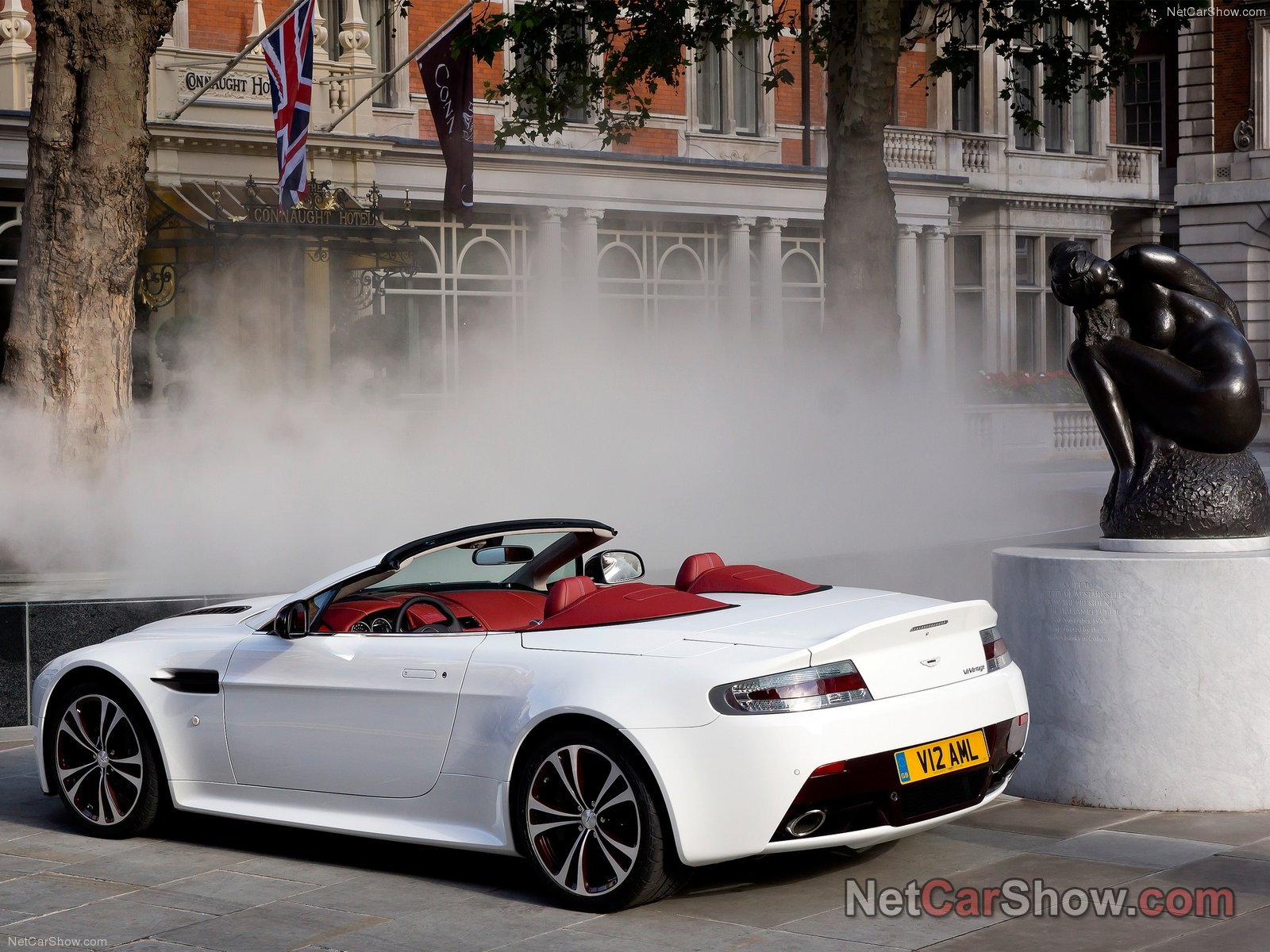 Aston Martin V12 Vantage Roadster photo 93526