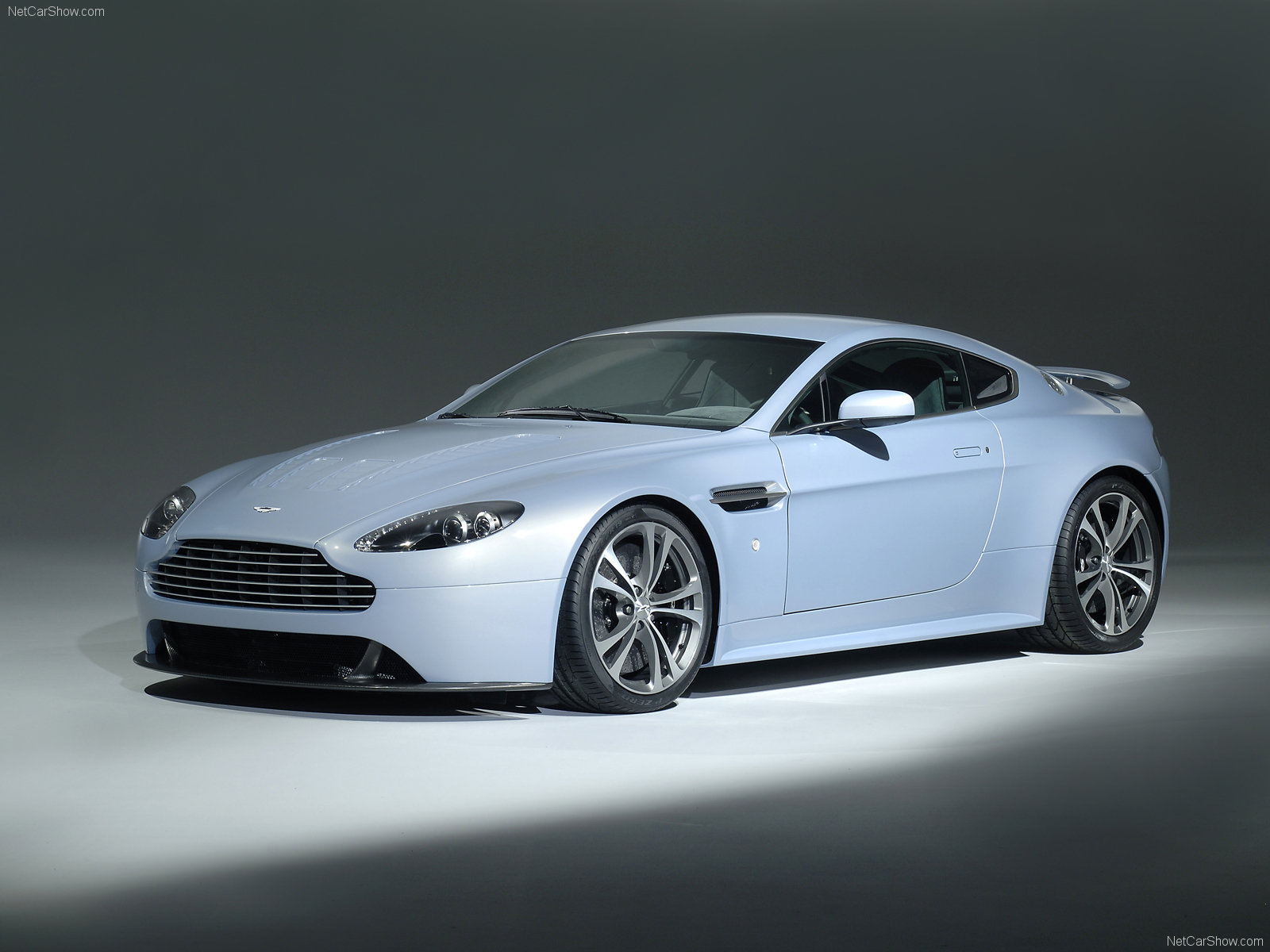 Aston Martin V12 Vantage RS photo 50113