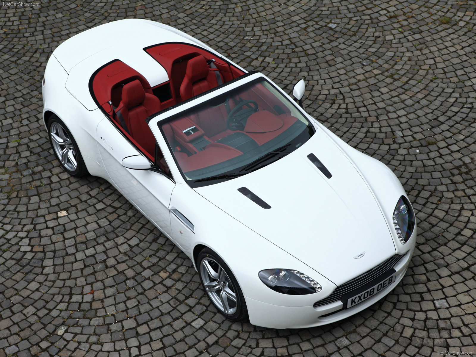 Aston Martin V8 Vantage Roadster photo 56732
