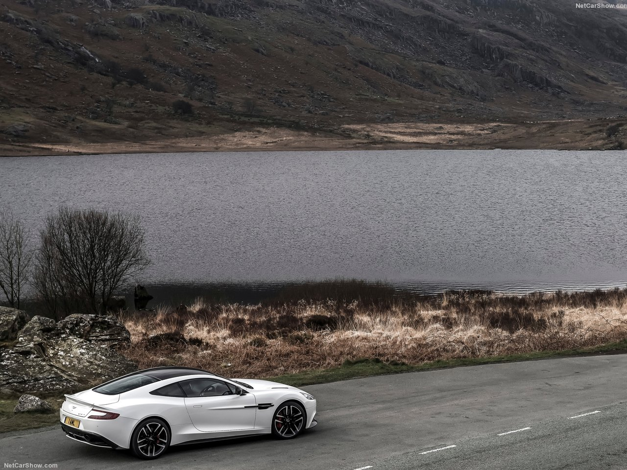 Aston Martin Vanquish Carbon White photo 138785