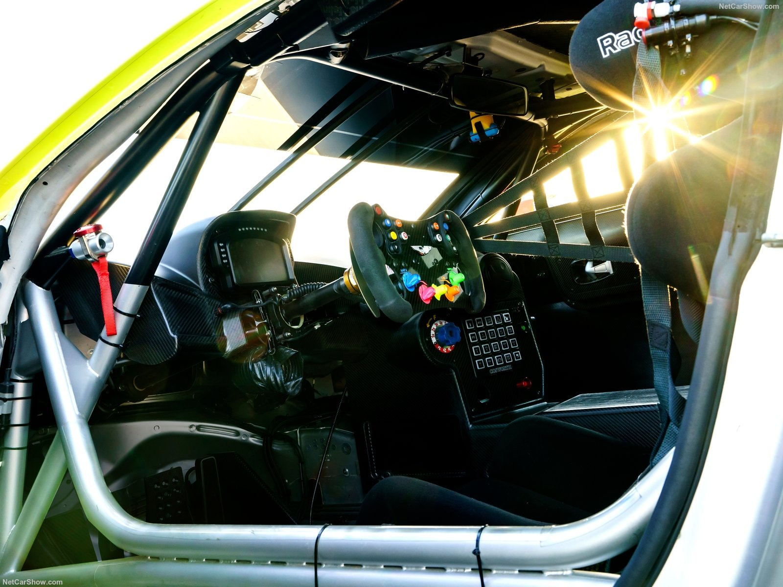 Aston Martin Vantage GTE Racecar photo 183874