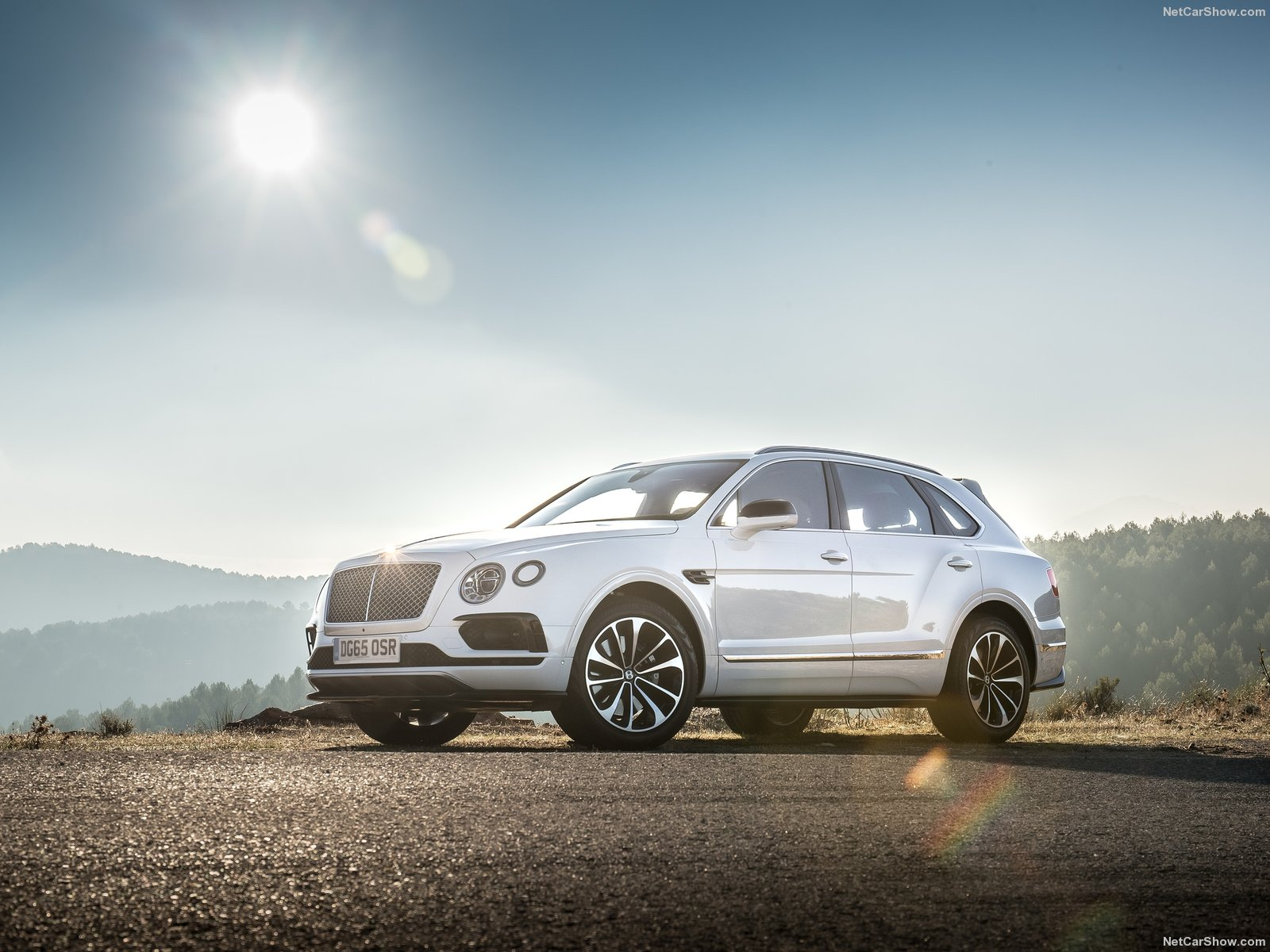 Bentley Bentayga photo 156476