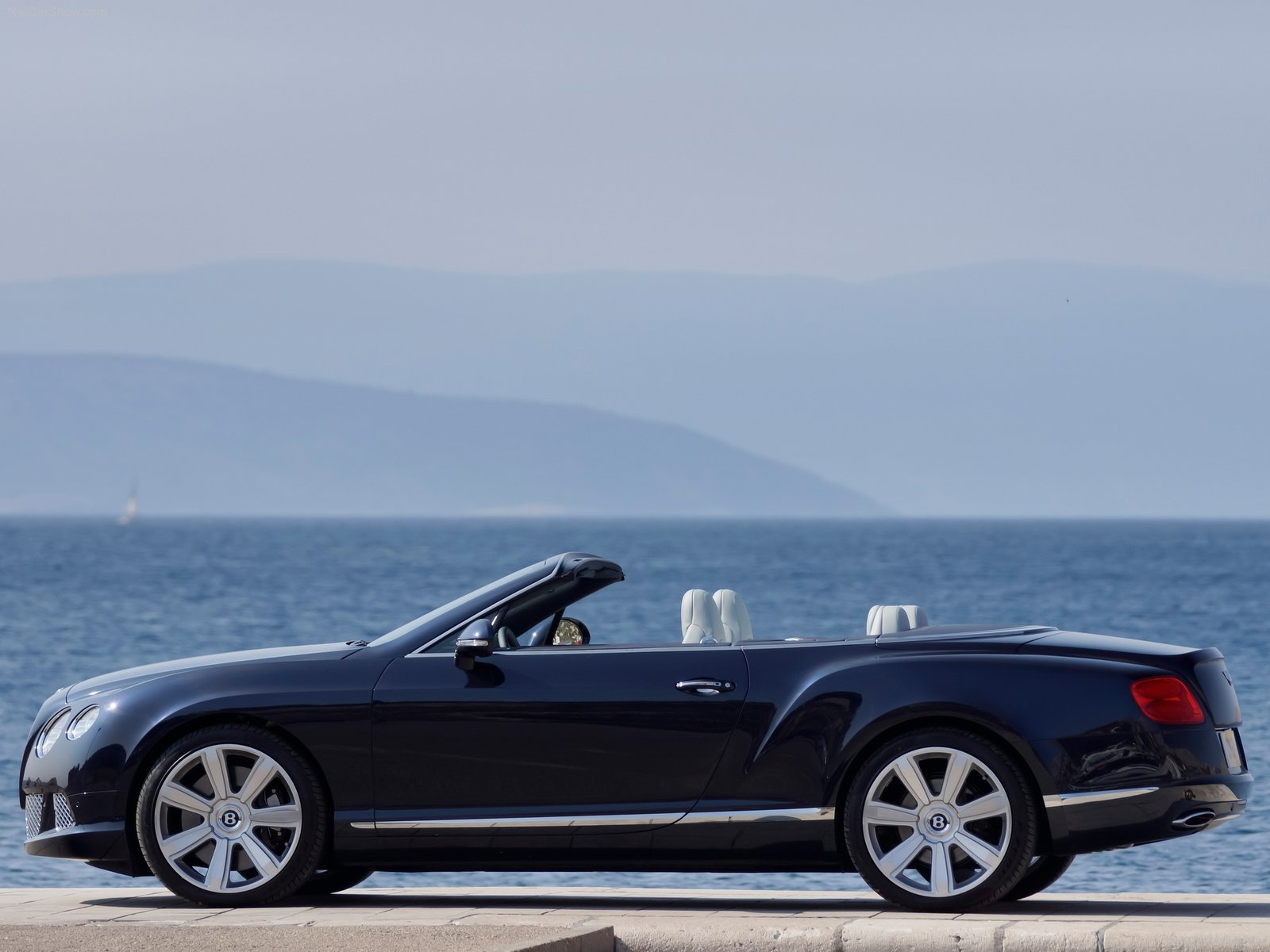 Bentley Continental GTC photo 85349