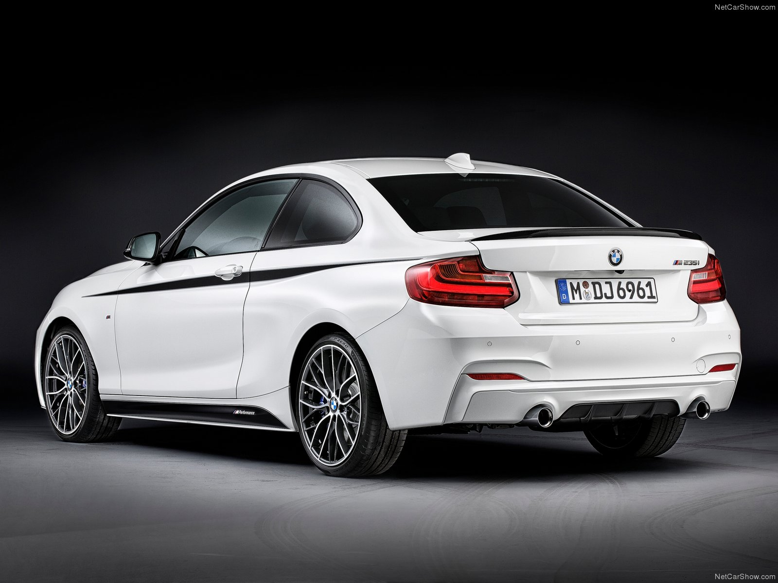 BMW 2-Series Coupe with M Performance Parts photo 106836