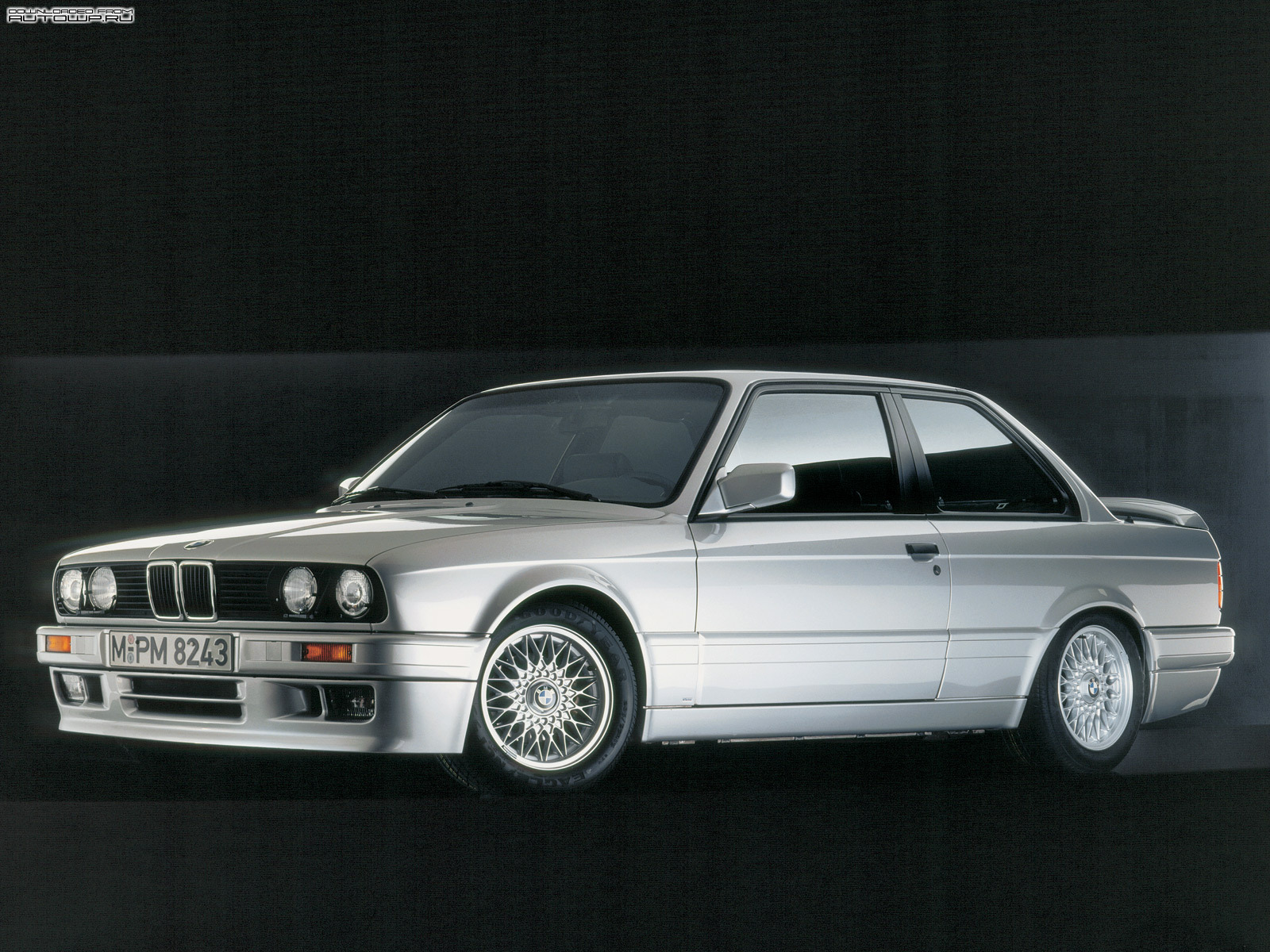 BMW 3-series E30 photo 58779