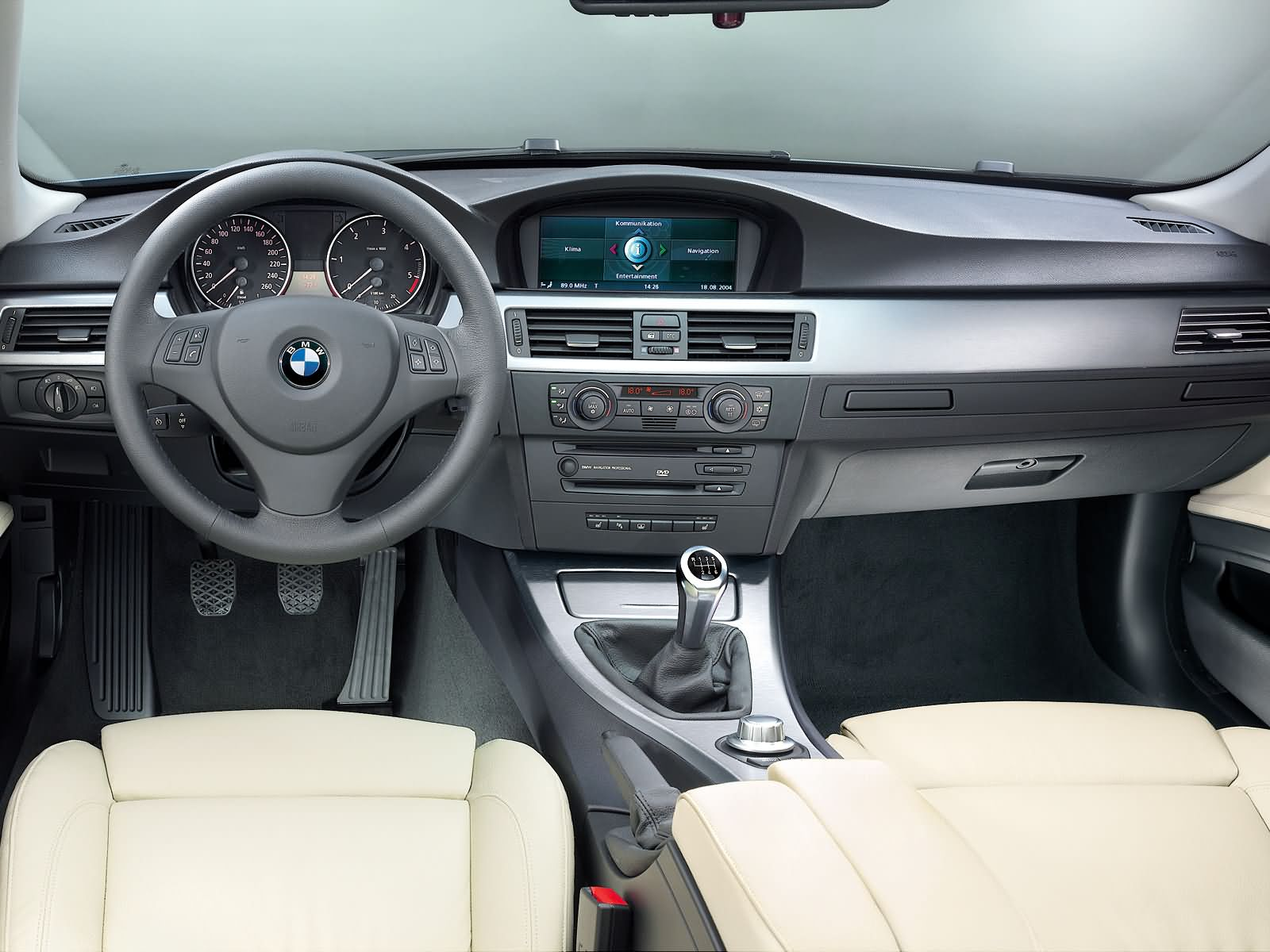 BMW 3-series E90 photo 16389
