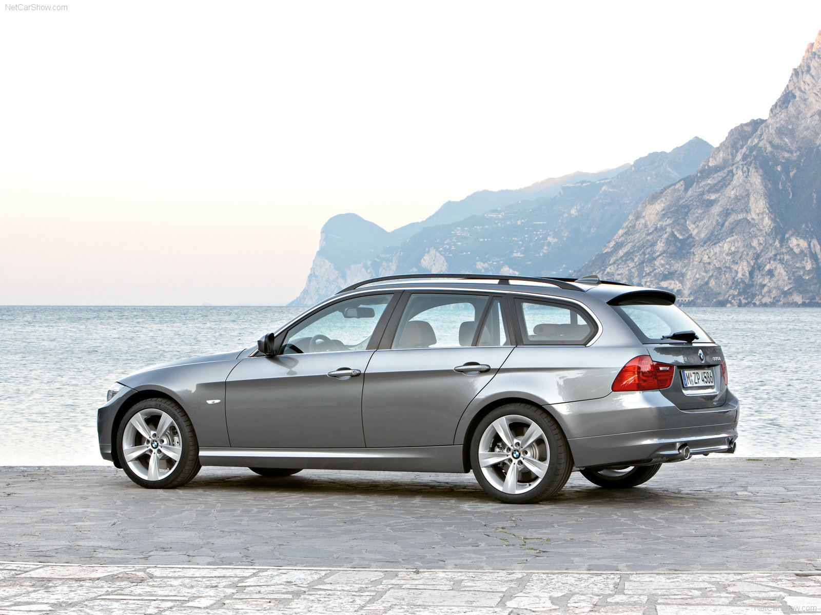 bmw 3 series e91 touring picture 56564 bmw photo. Black Bedroom Furniture Sets. Home Design Ideas