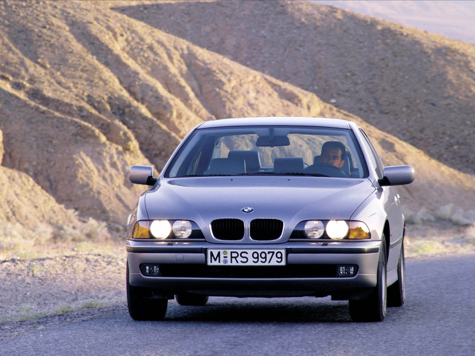 BMW 5-series photo 10146