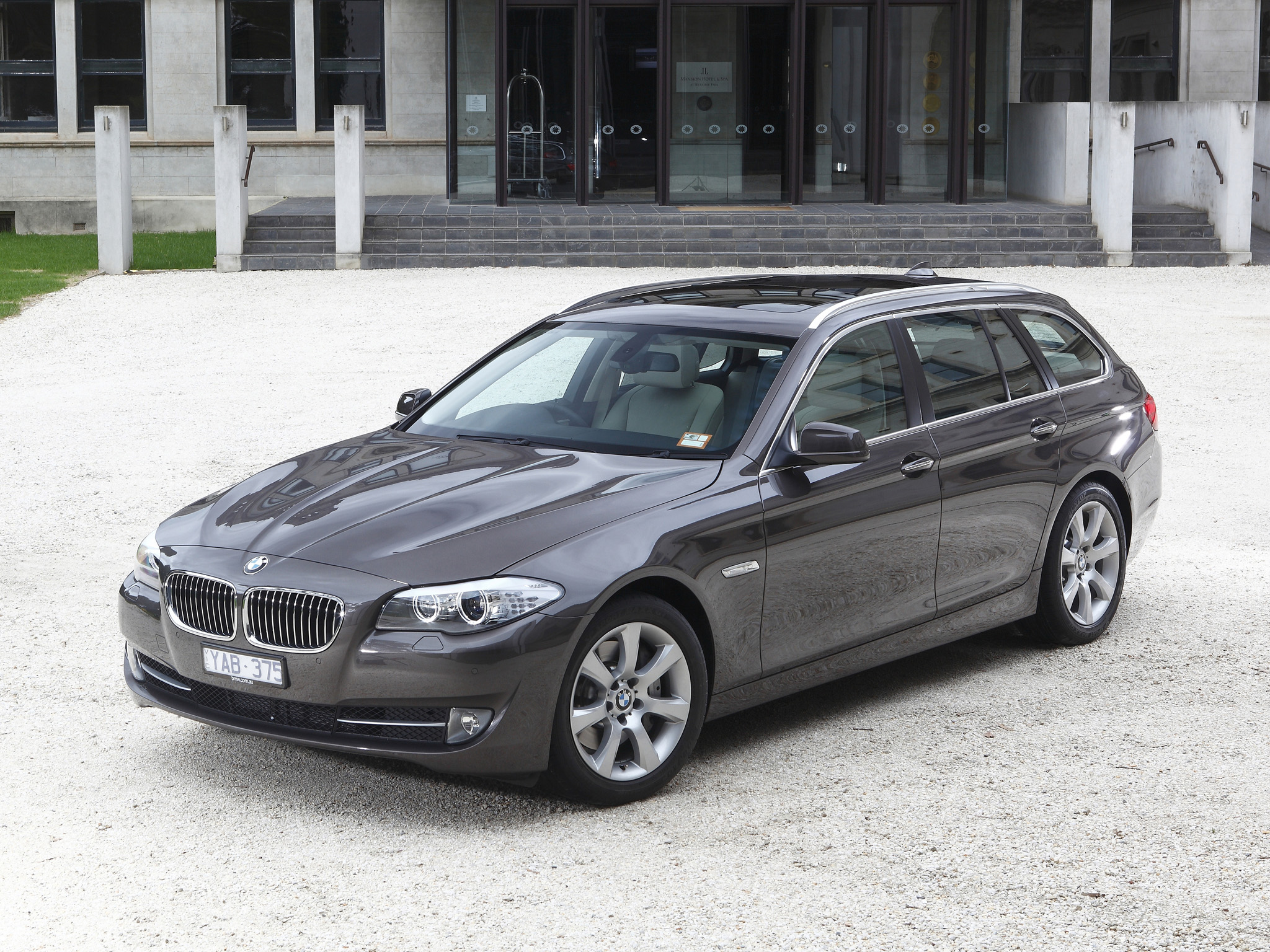 BMW 5-series Touring photo 96485