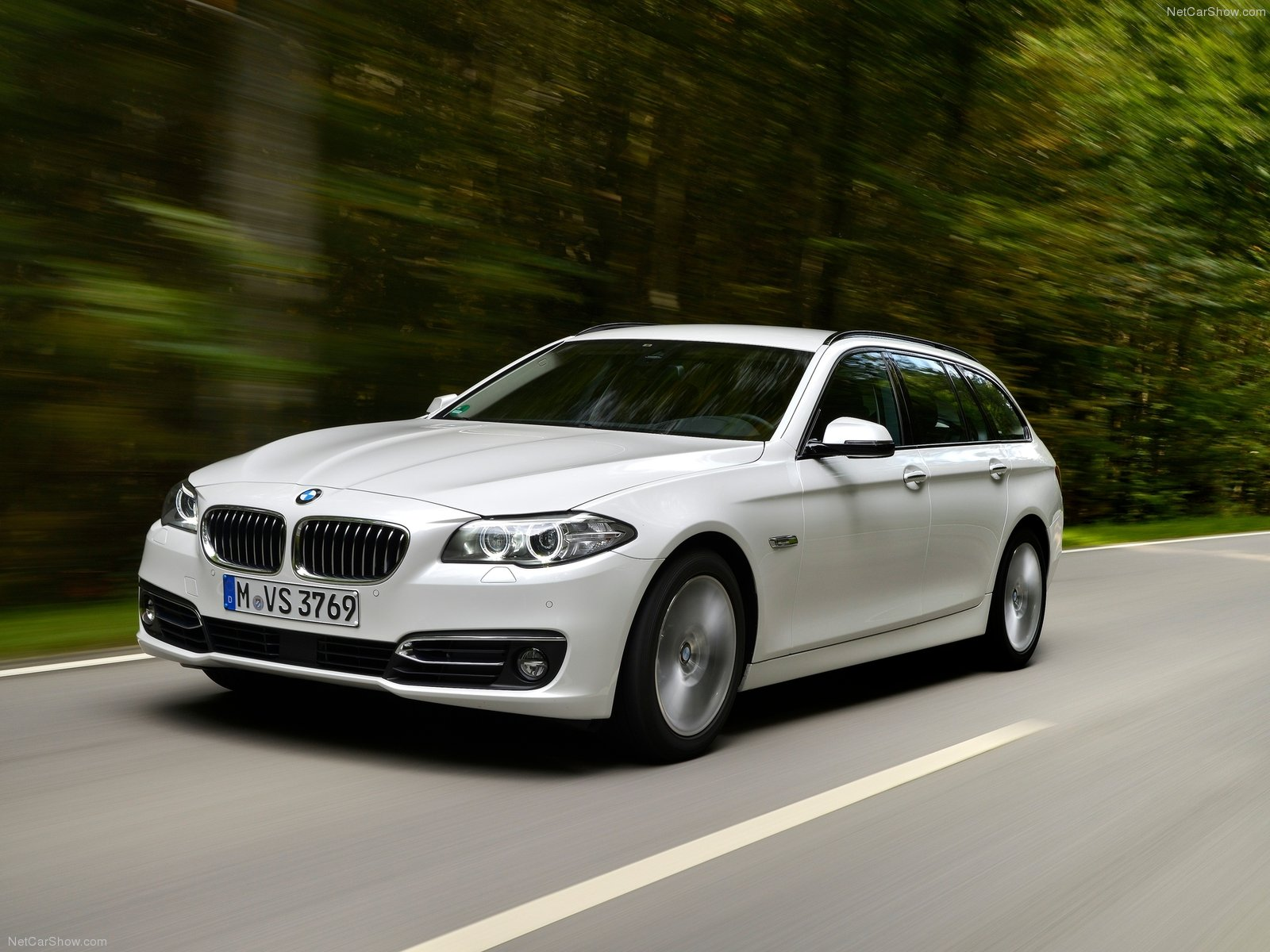 BMW 520d Touring photo 129166