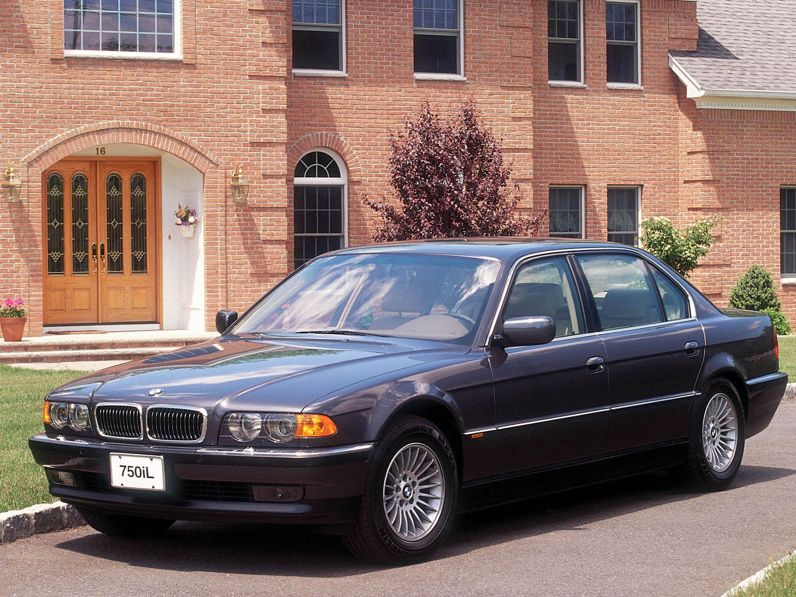 BMW 7-series E38 photo 10124
